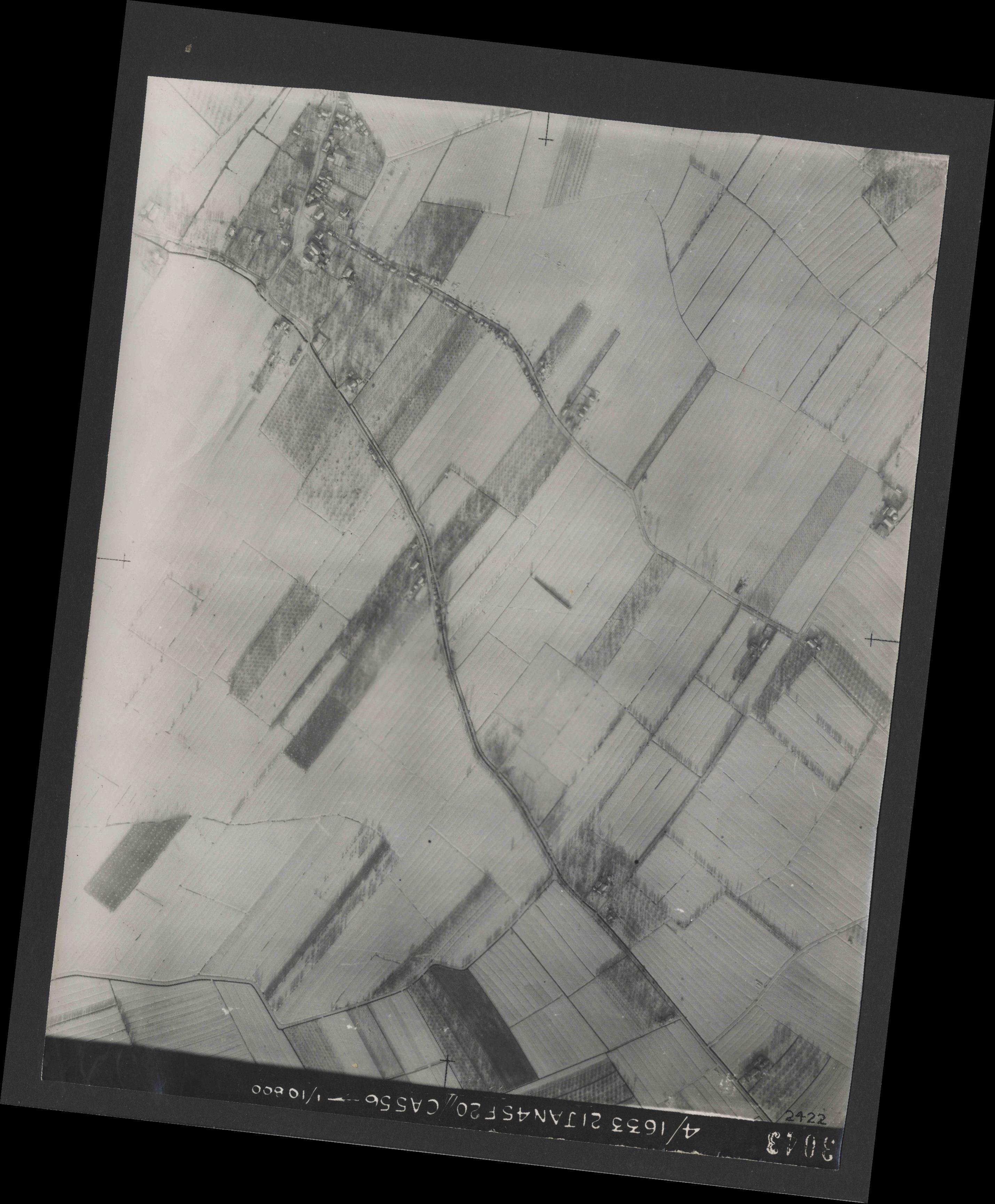 Collection RAF aerial photos 1940-1945 - flight 202, run 05, photo 3043