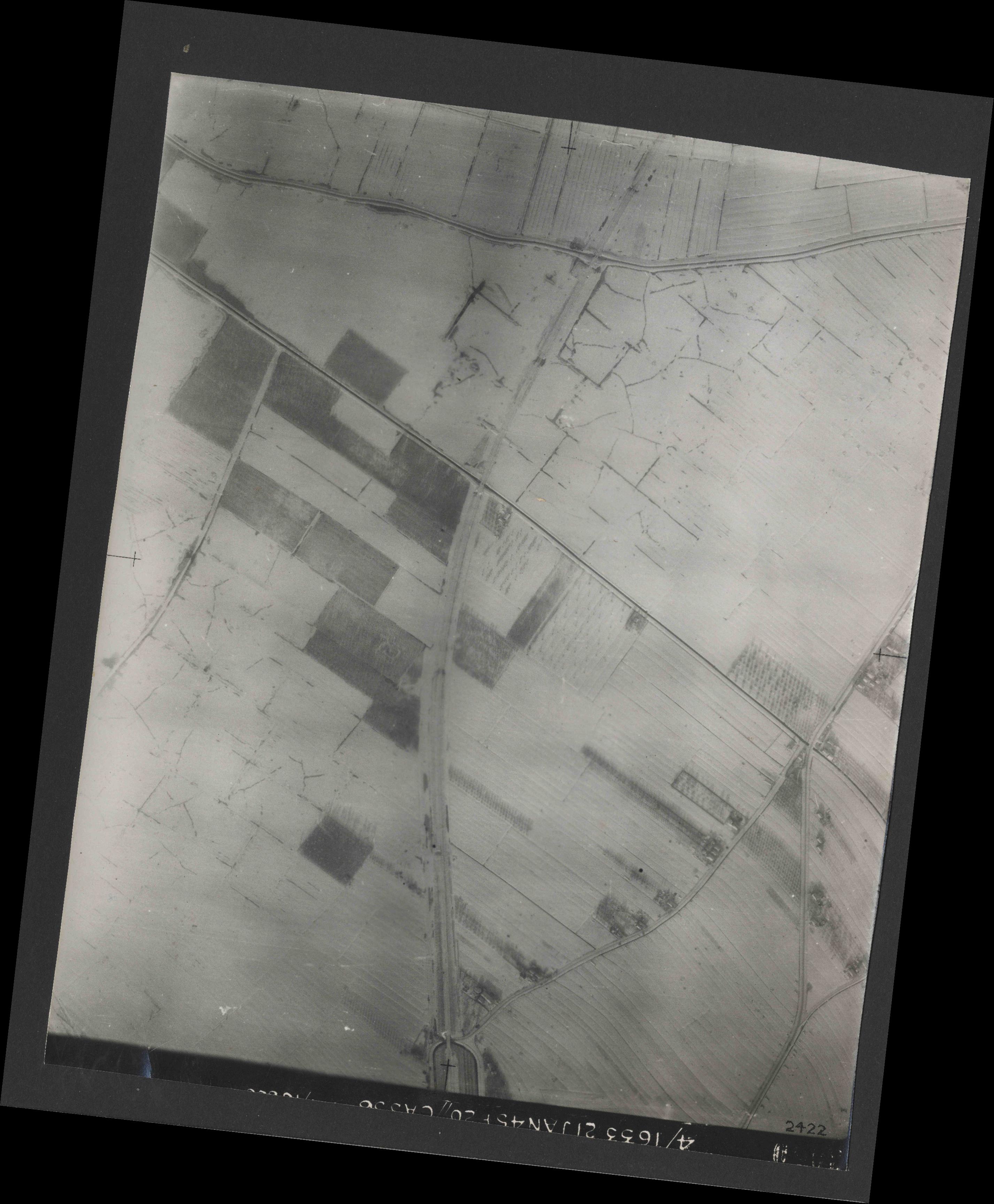 Collection RAF aerial photos 1940-1945 - flight 202, run 05, photo 3050