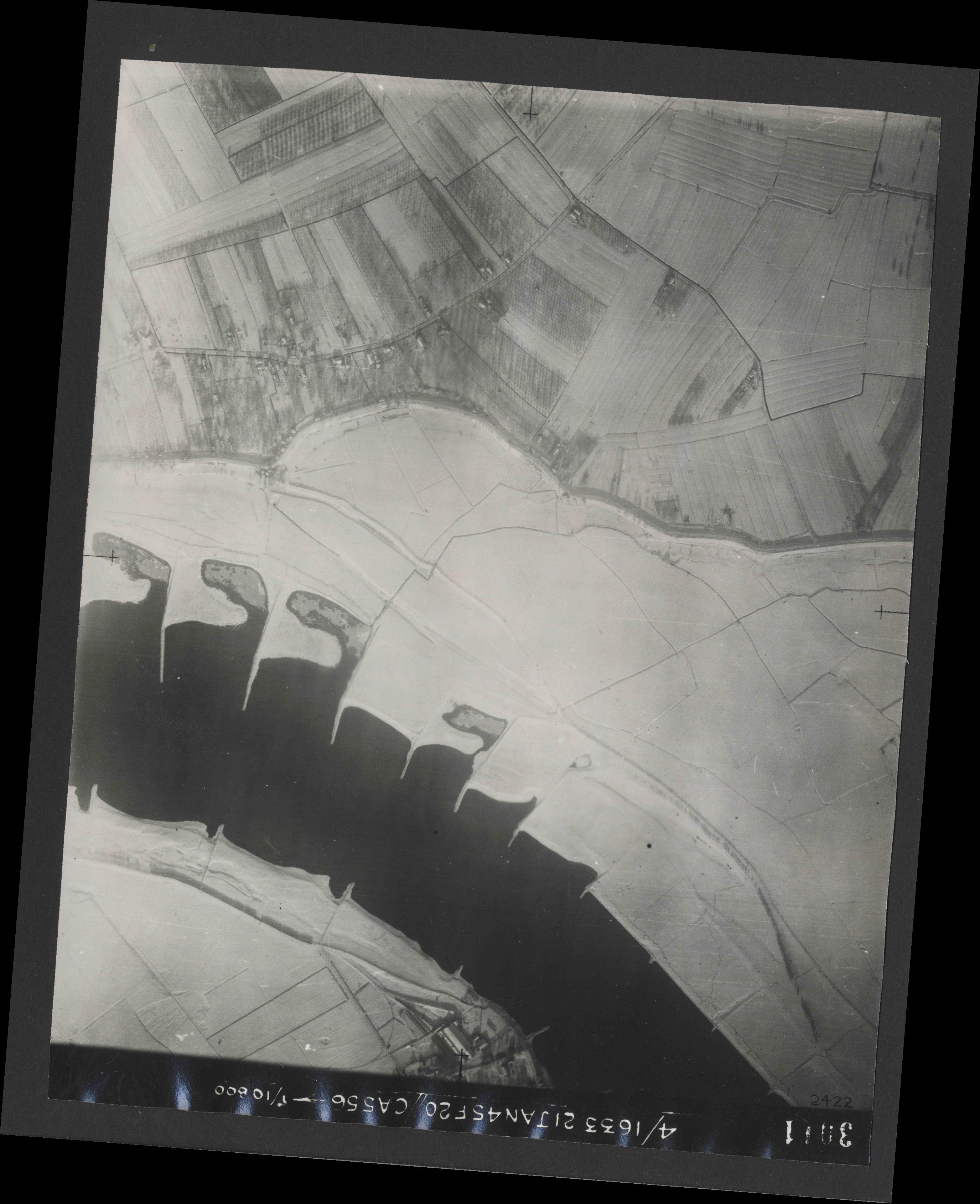 Collection RAF aerial photos 1940-1945 - flight 202, run 07, photo 3011