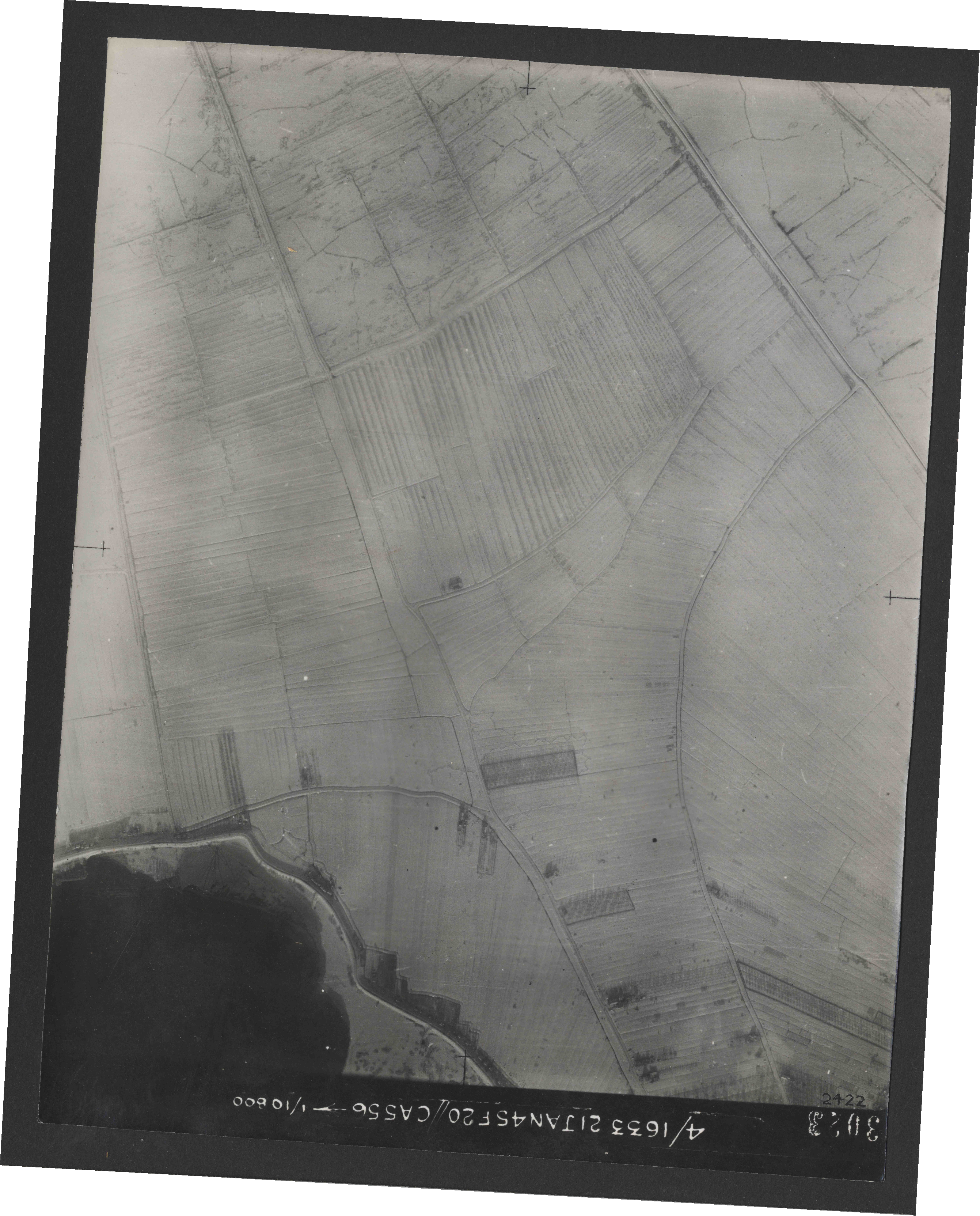 Collection RAF aerial photos 1940-1945 - flight 202, run 07, photo 3023