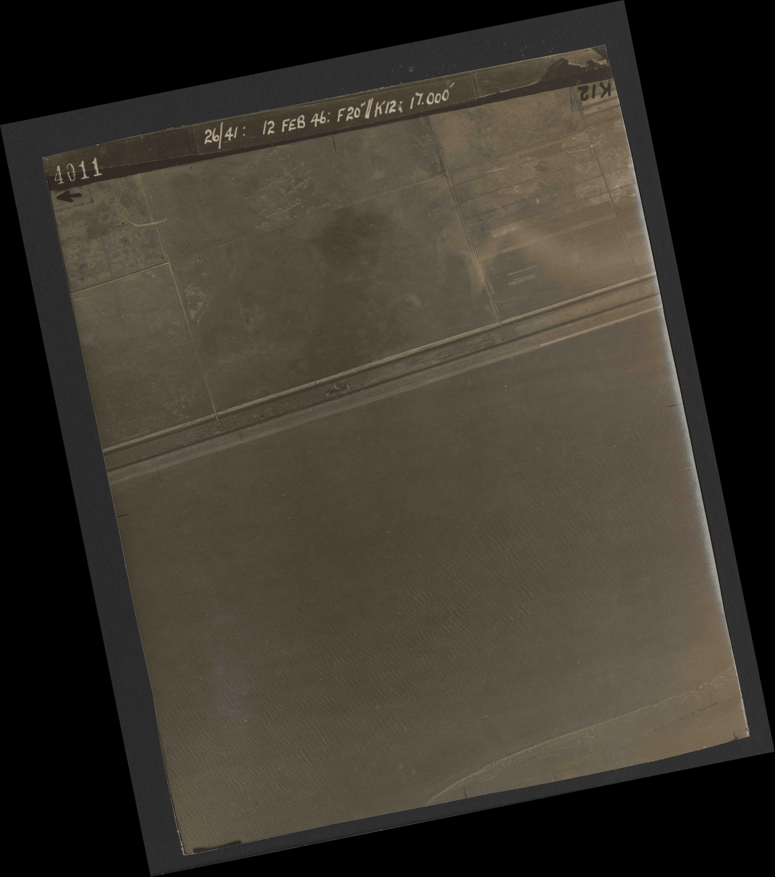 Collection RAF aerial photos 1940-1945 - flight 212, run 02, photo 4011