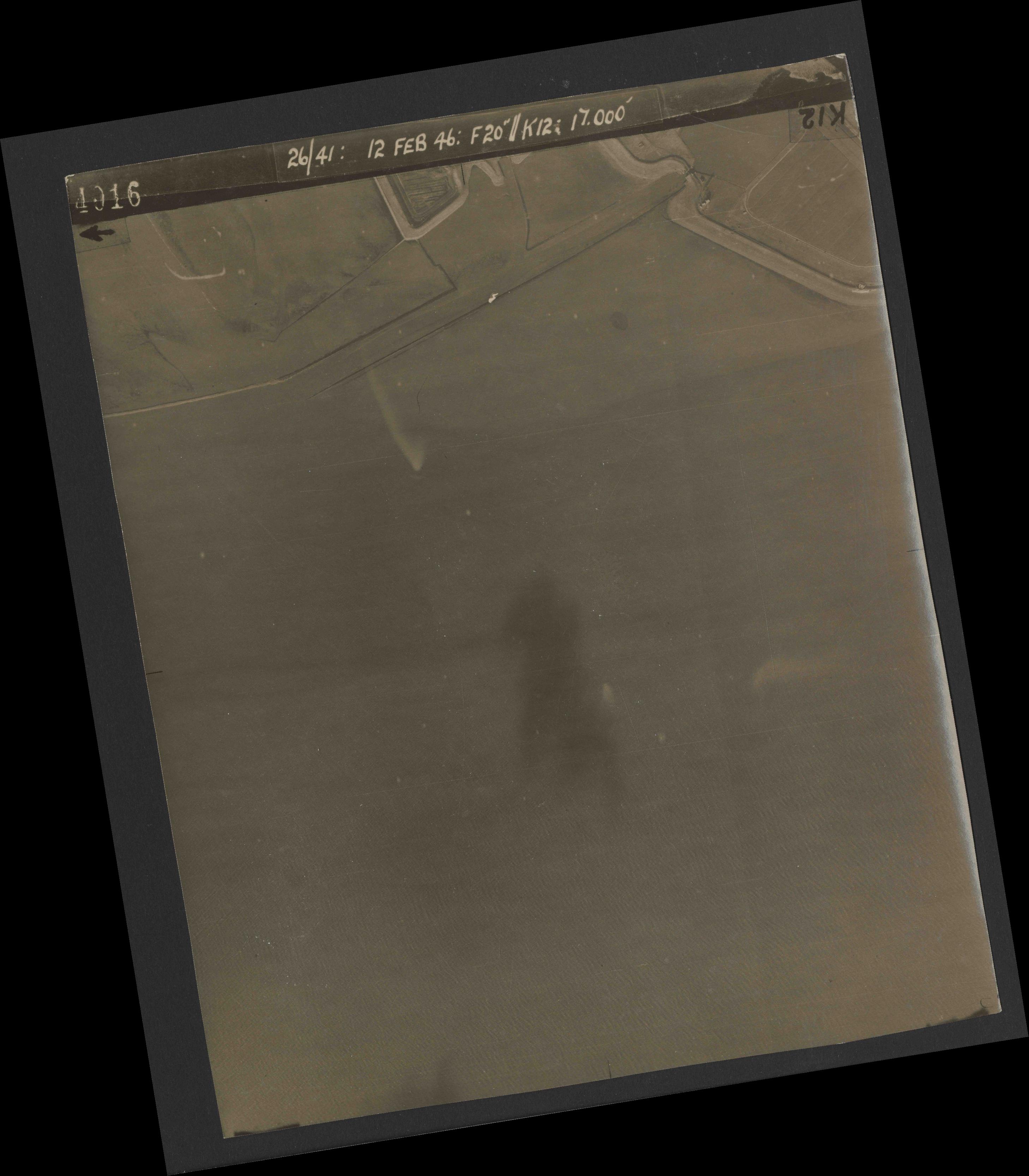 Collection RAF aerial photos 1940-1945 - flight 212, run 02, photo 4016