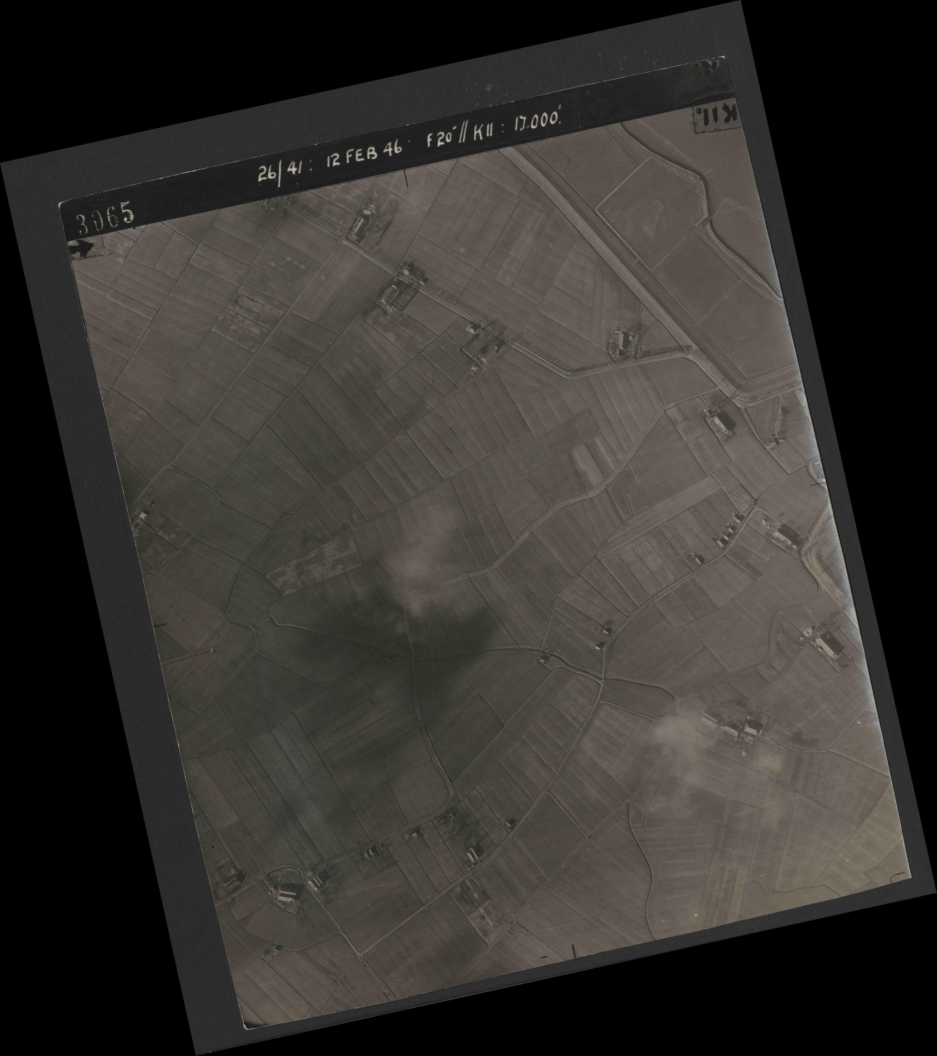 Collection RAF aerial photos 1940-1945 - flight 212, run 03, photo 3065