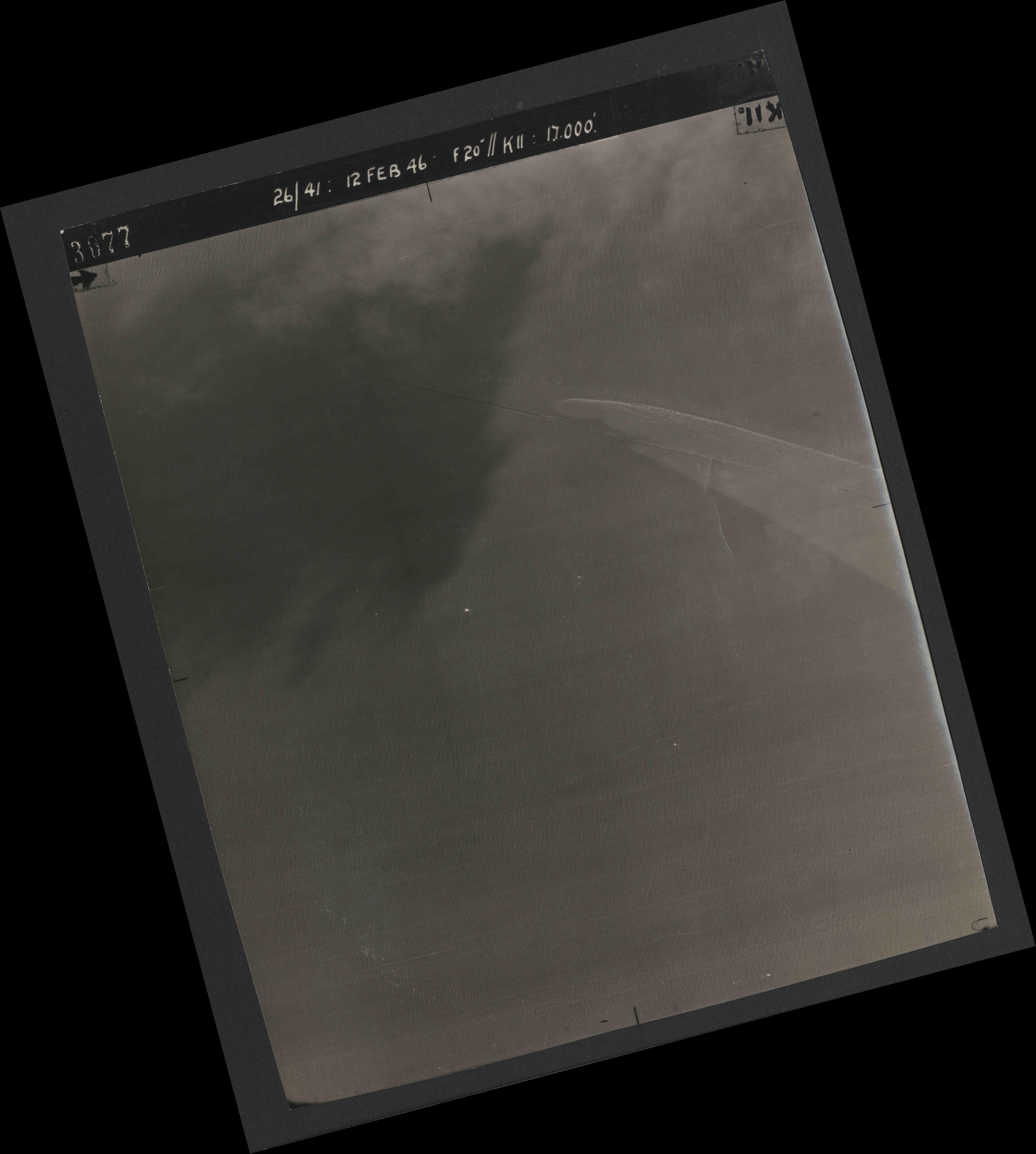 Collection RAF aerial photos 1940-1945 - flight 212, run 03, photo 3077