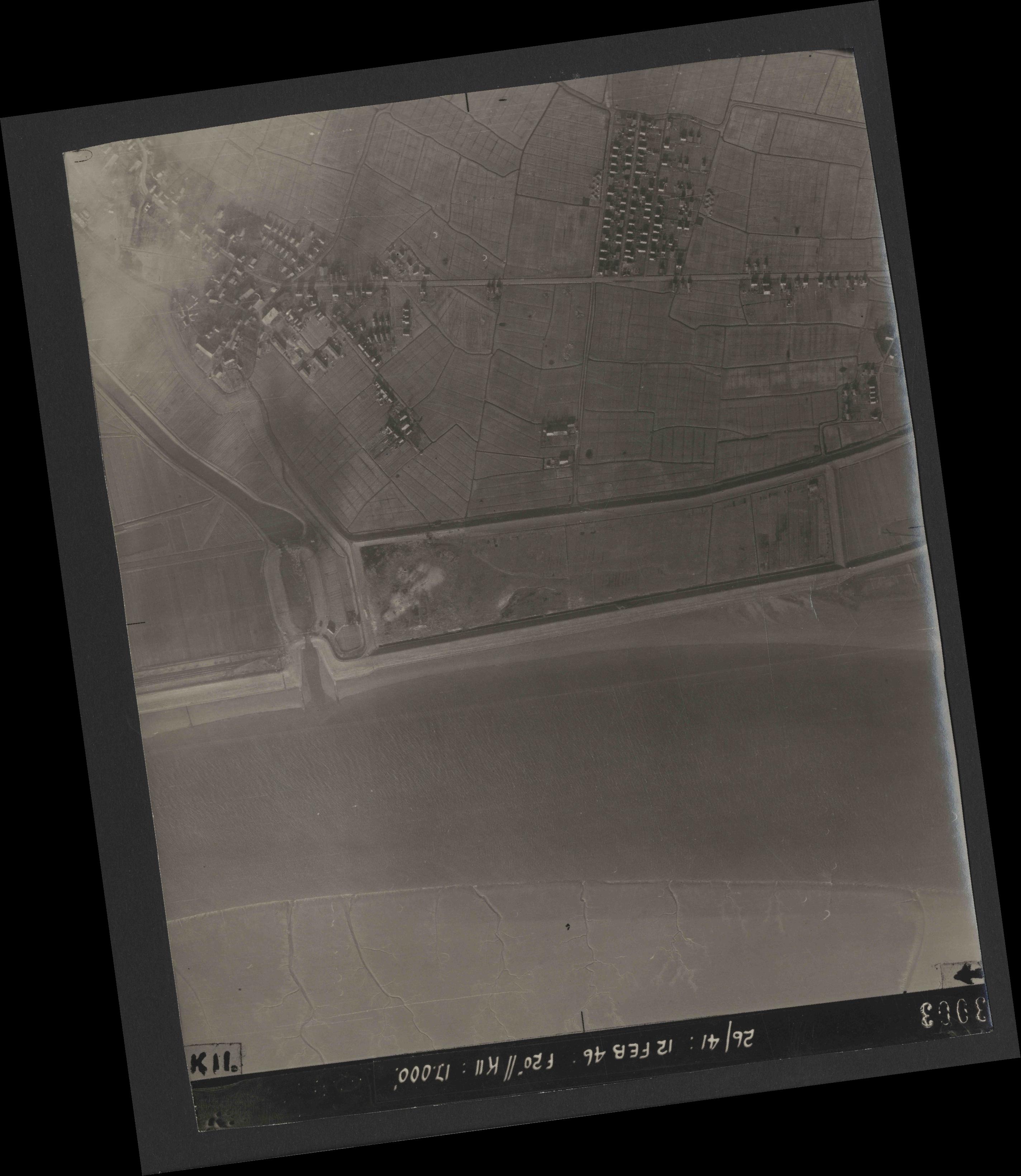 Collection RAF aerial photos 1940-1945 - flight 212, run 04, photo 3003
