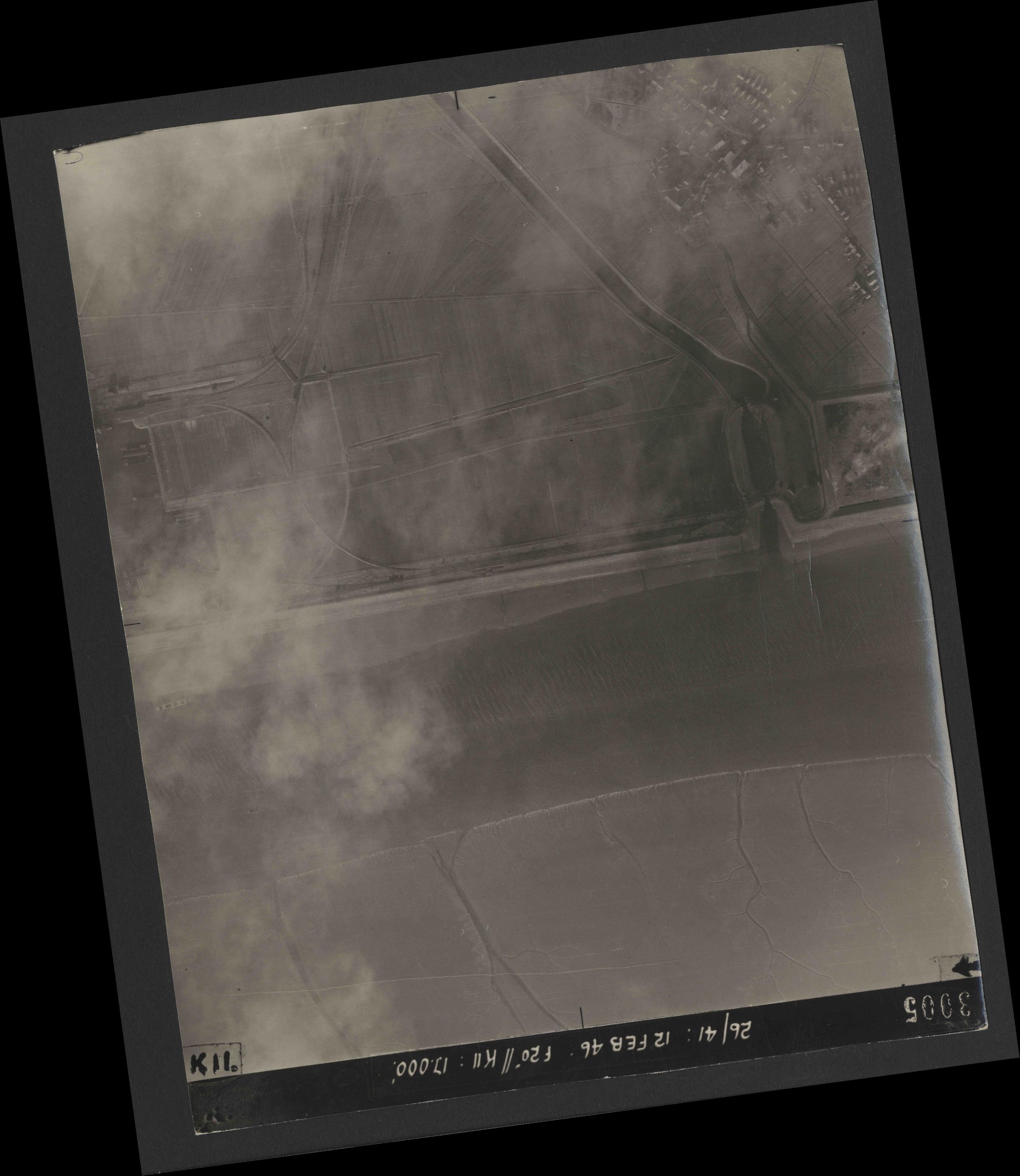 Collection RAF aerial photos 1940-1945 - flight 212, run 04, photo 3005