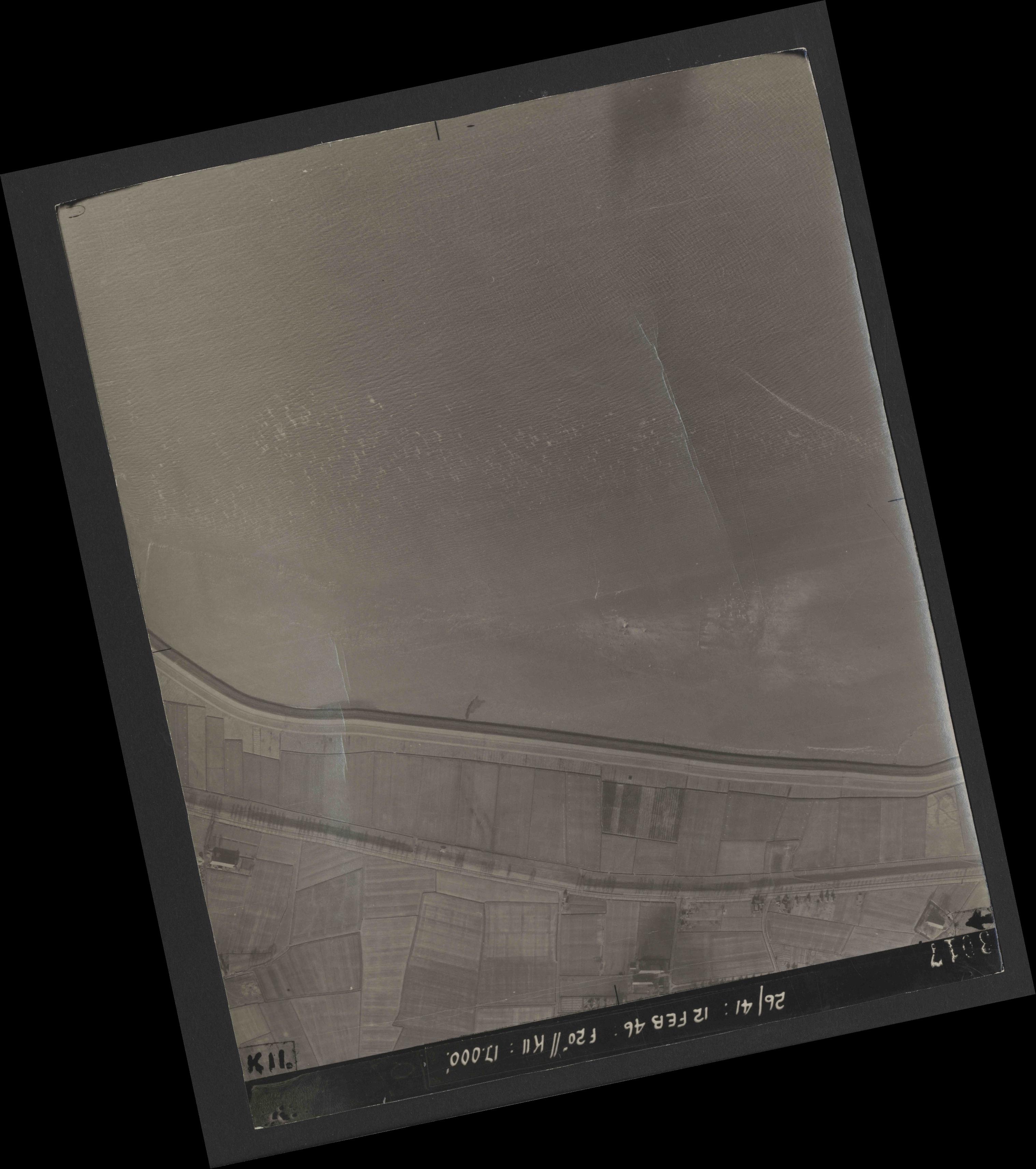 Collection RAF aerial photos 1940-1945 - flight 212, run 05, photo 3017