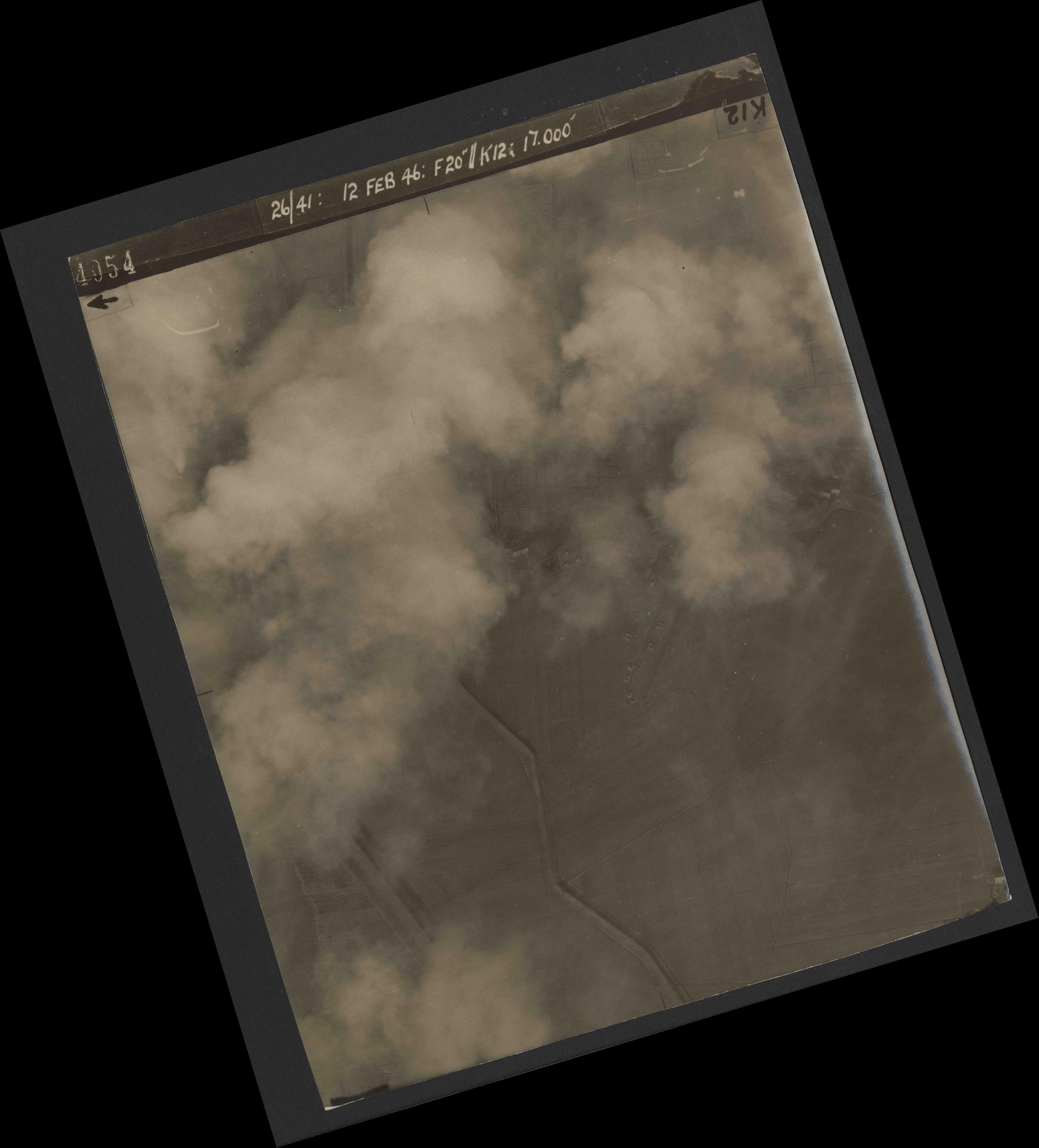Collection RAF aerial photos 1940-1945 - flight 212, run 06, photo 4054