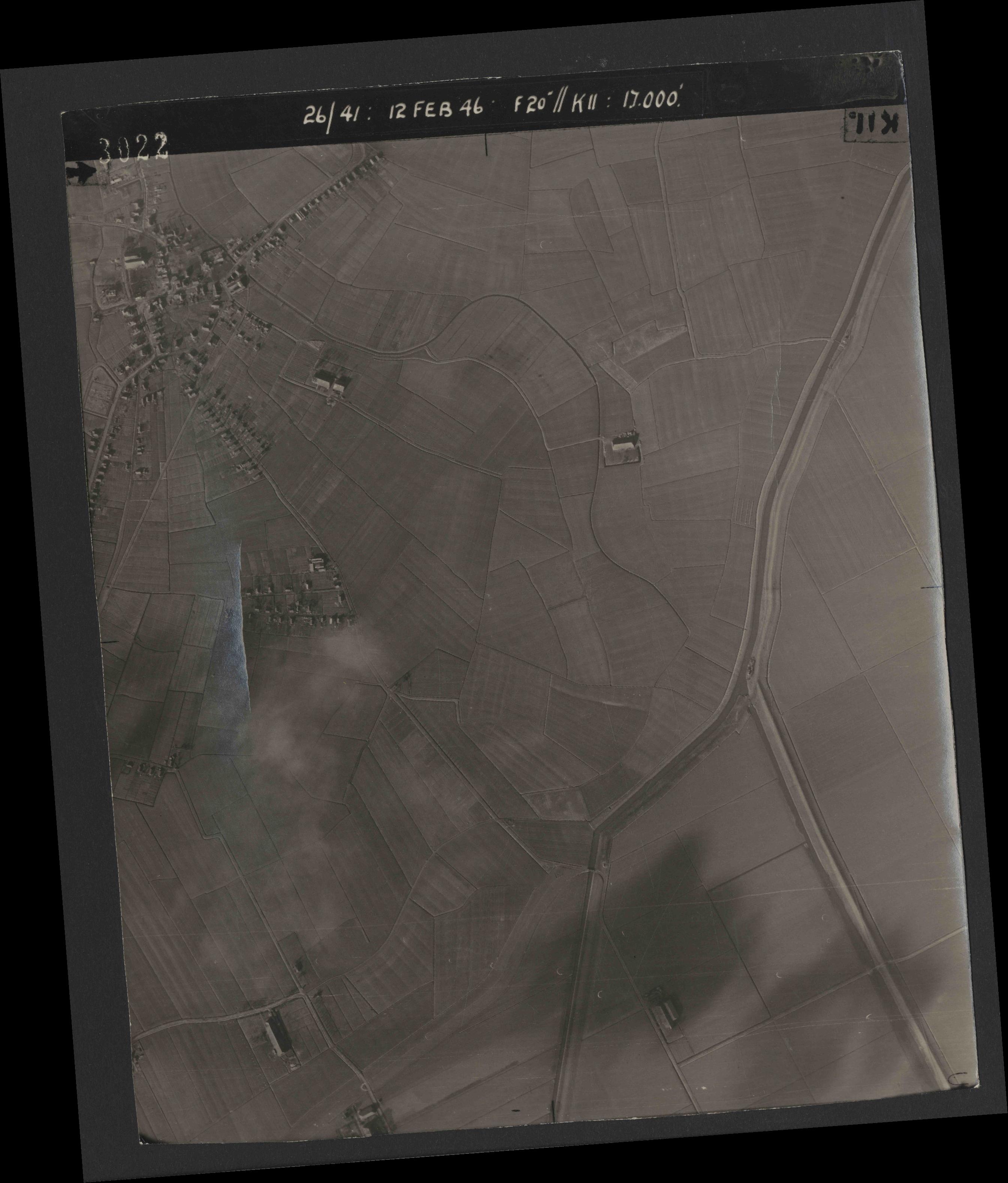 Collection RAF aerial photos 1940-1945 - flight 212, run 07, photo 3022