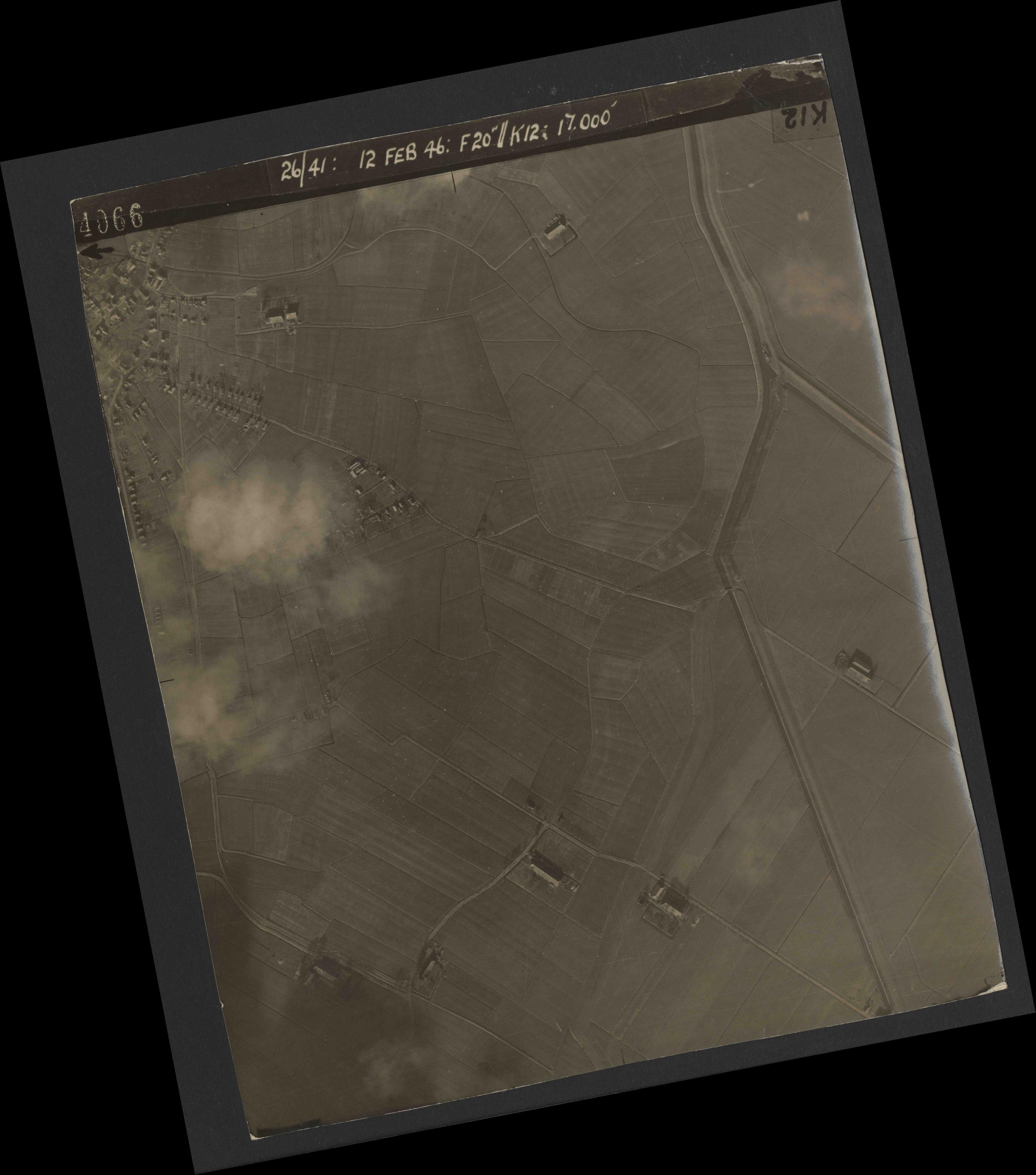 Collection RAF aerial photos 1940-1945 - flight 212, run 09, photo 4066