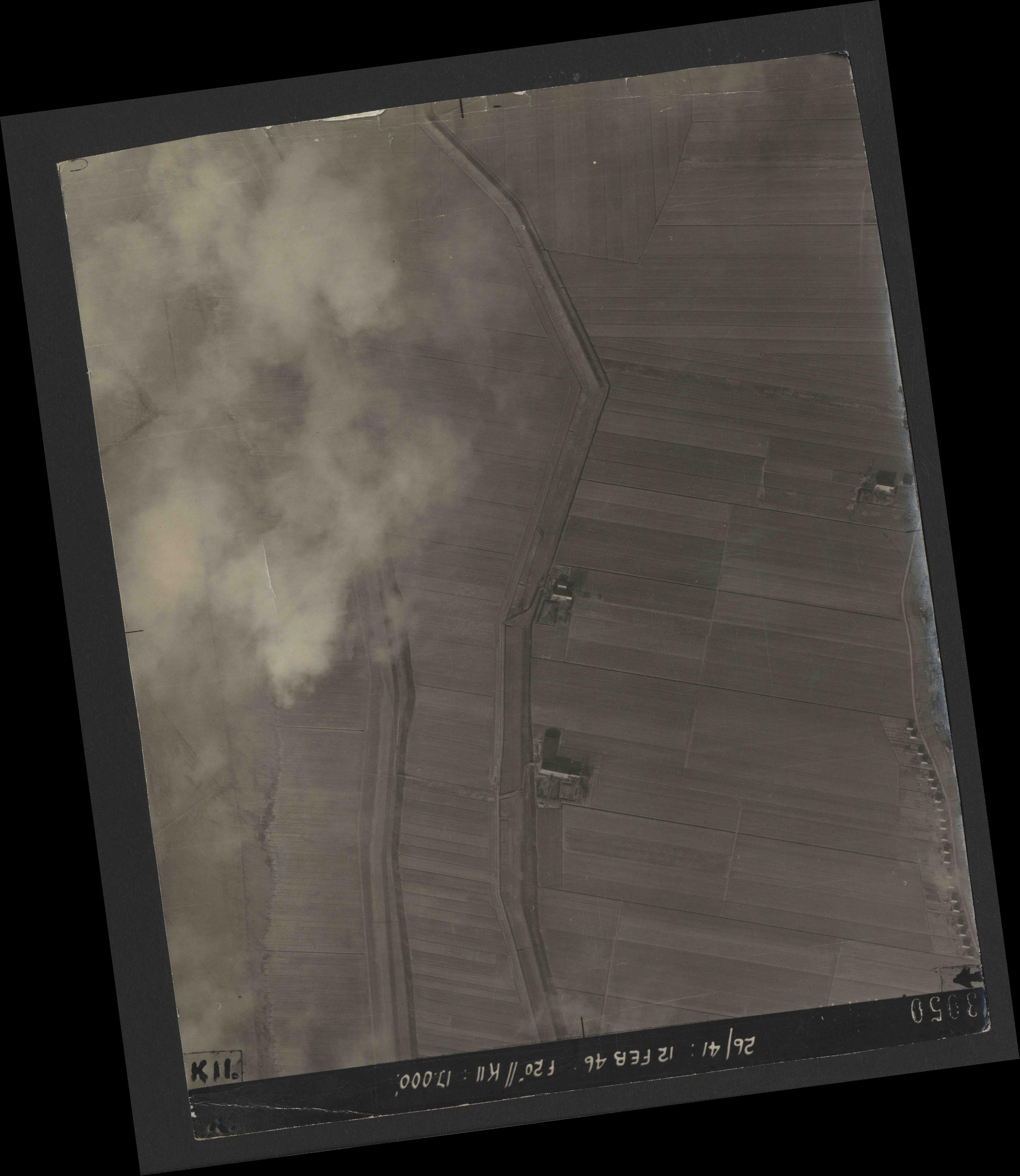 Collection RAF aerial photos 1940-1945 - flight 212, run 10, photo 3050
