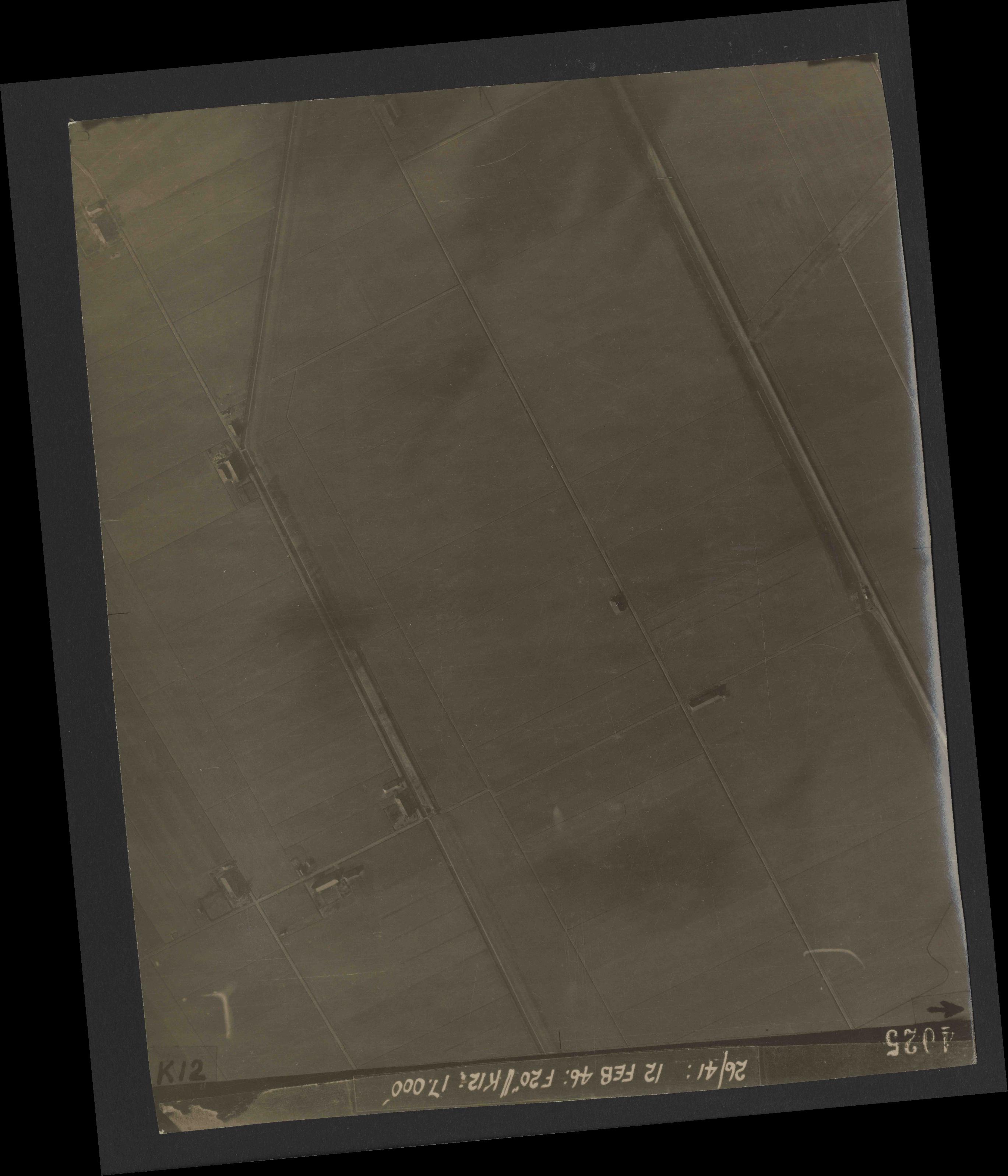 Collection RAF aerial photos 1940-1945 - flight 212, run 11, photo 4025
