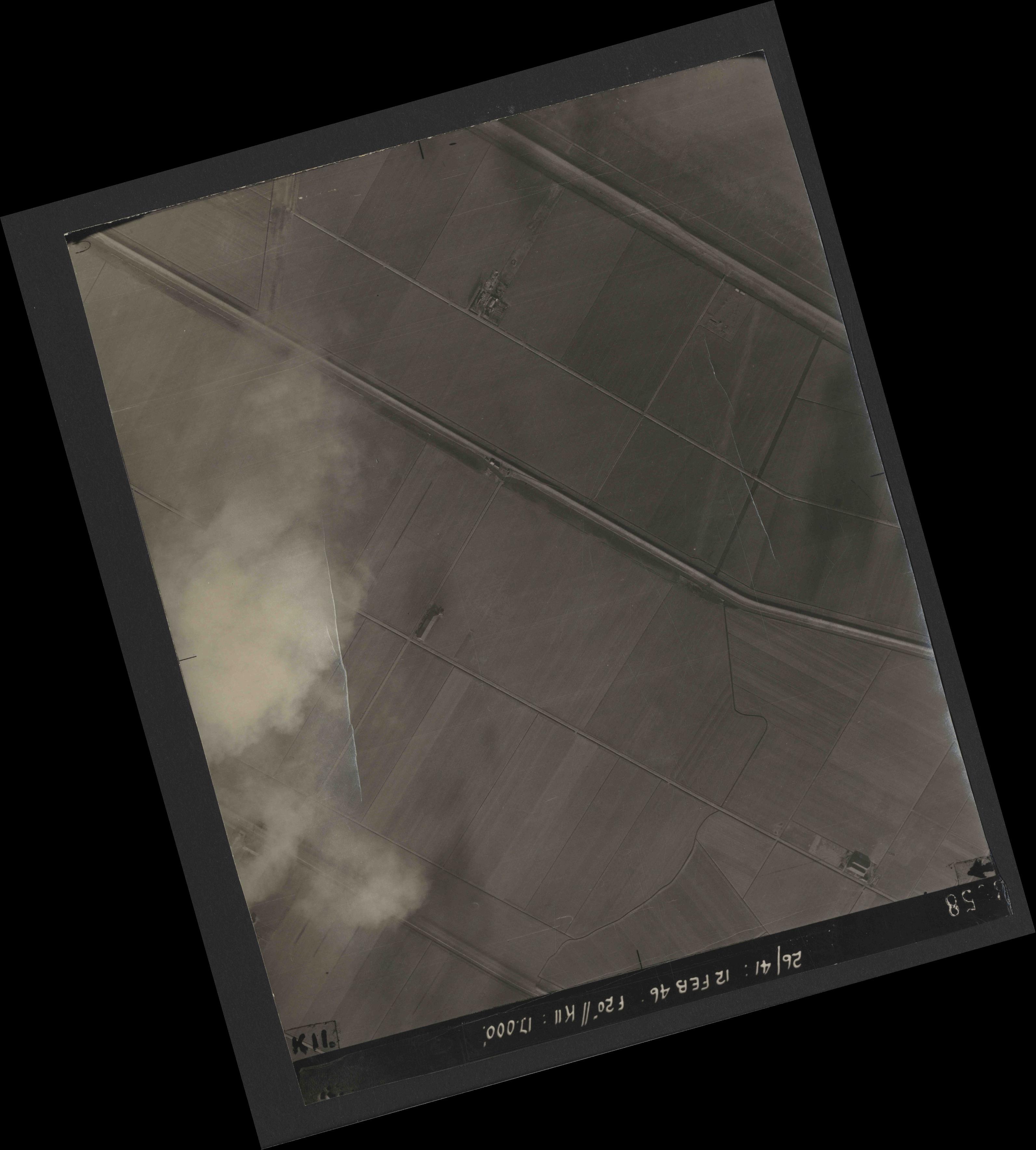 Collection RAF aerial photos 1940-1945 - flight 212, run 12, photo 3058
