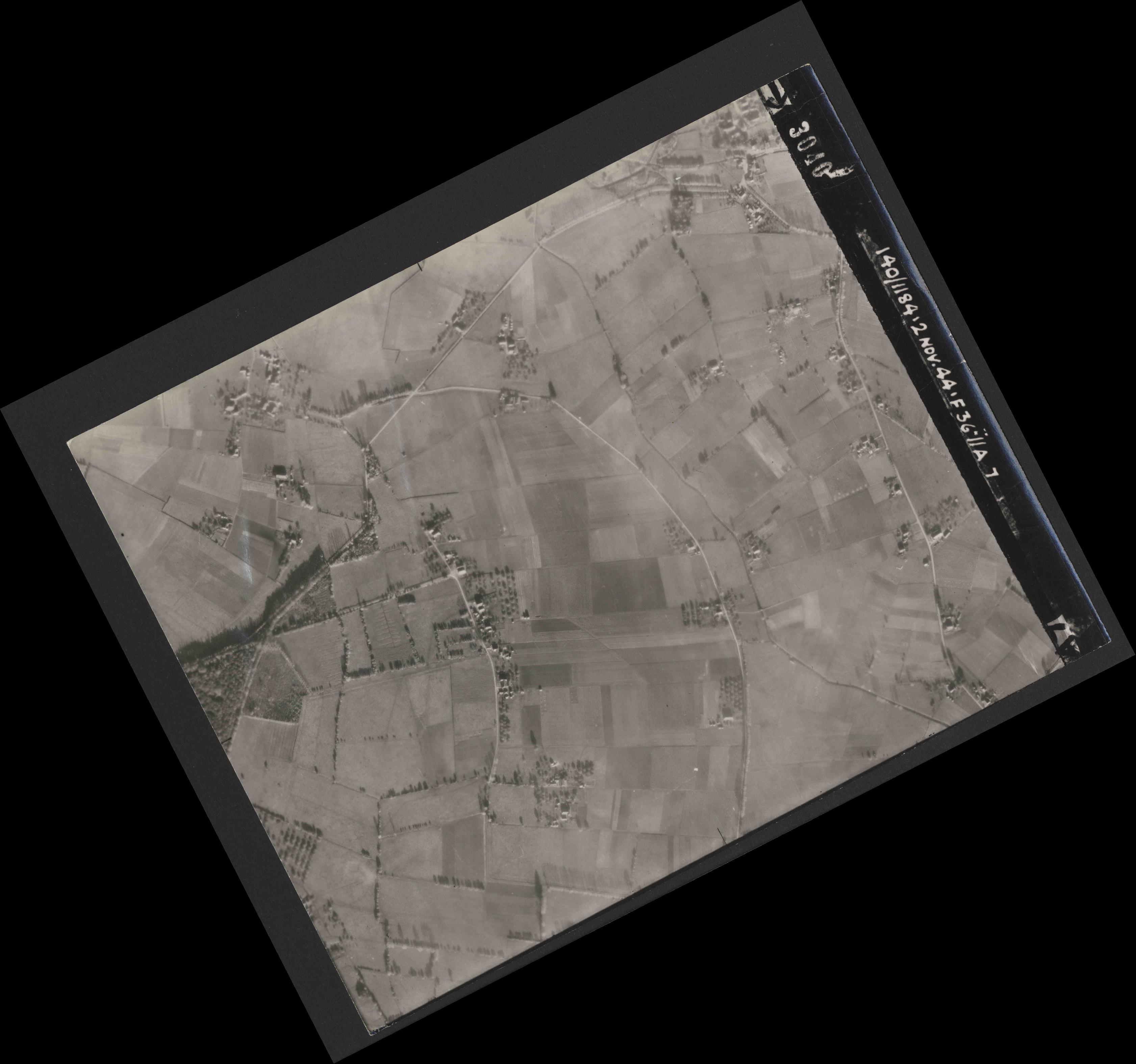 Collection RAF aerial photos 1940-1945 - flight 228, run 06, photo 3040