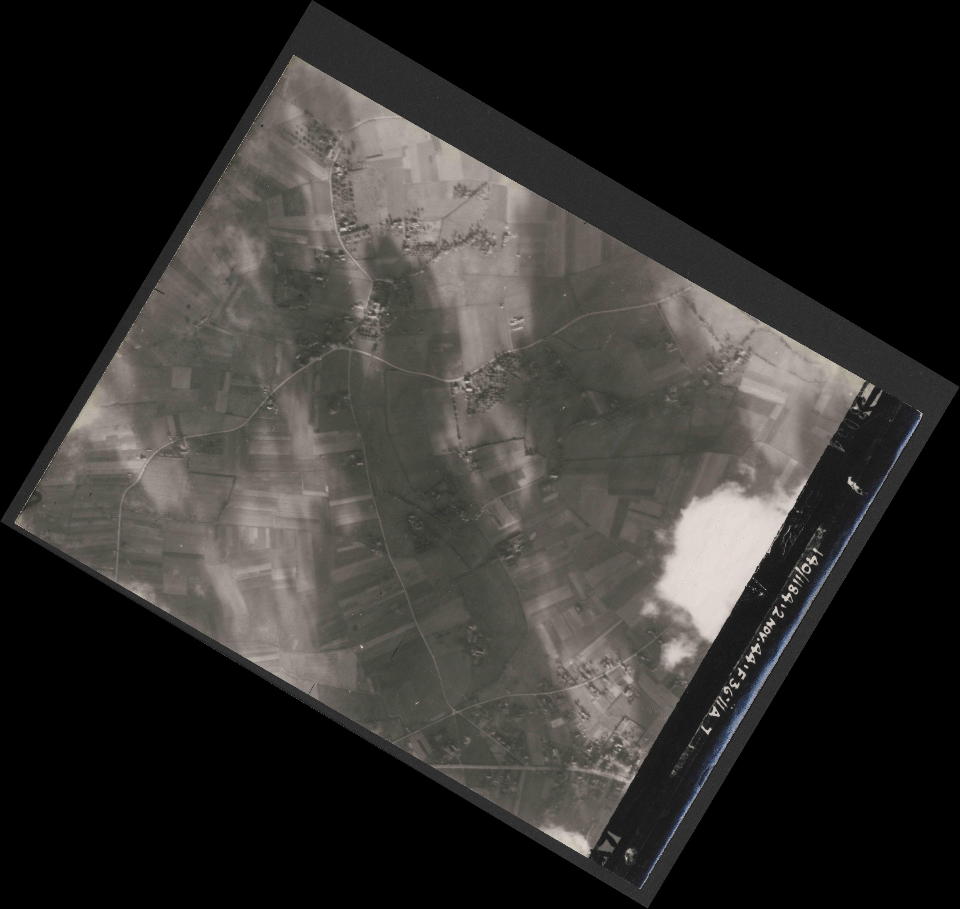 Collection RAF aerial photos 1940-1945 - flight 228, run 10, photo 3054