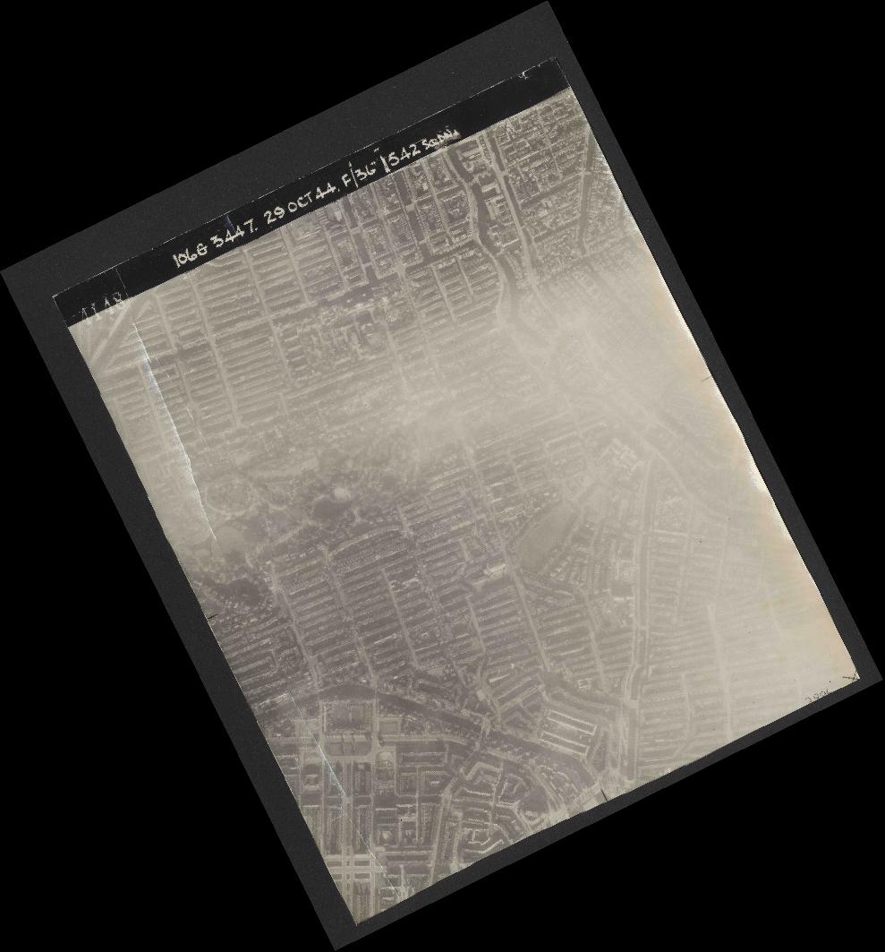 Collection RAF aerial photos 1940-1945 - flight 236, run 07, photo 4148