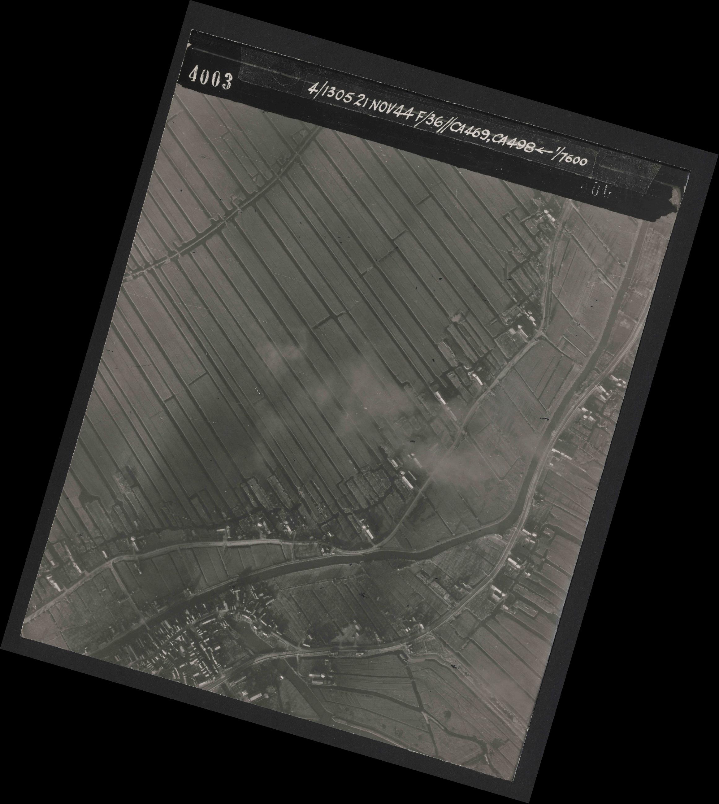 Collection RAF aerial photos 1940-1945 - flight 237, run 09, photo 4003