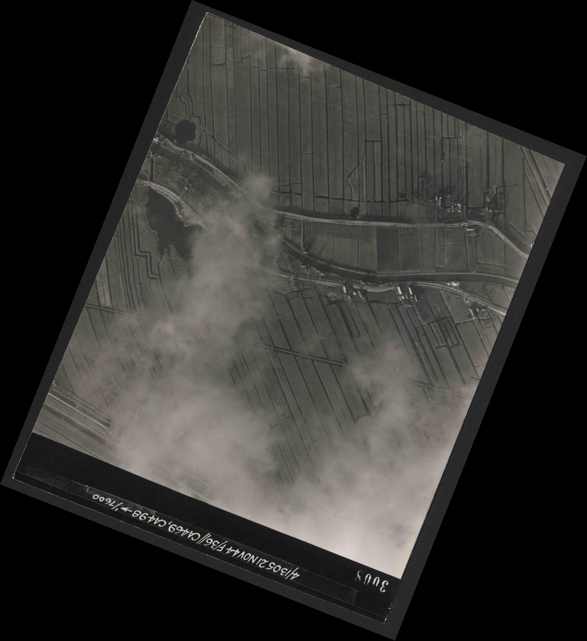 Collection RAF aerial photos 1940-1945 - flight 237, run 10, photo 3008