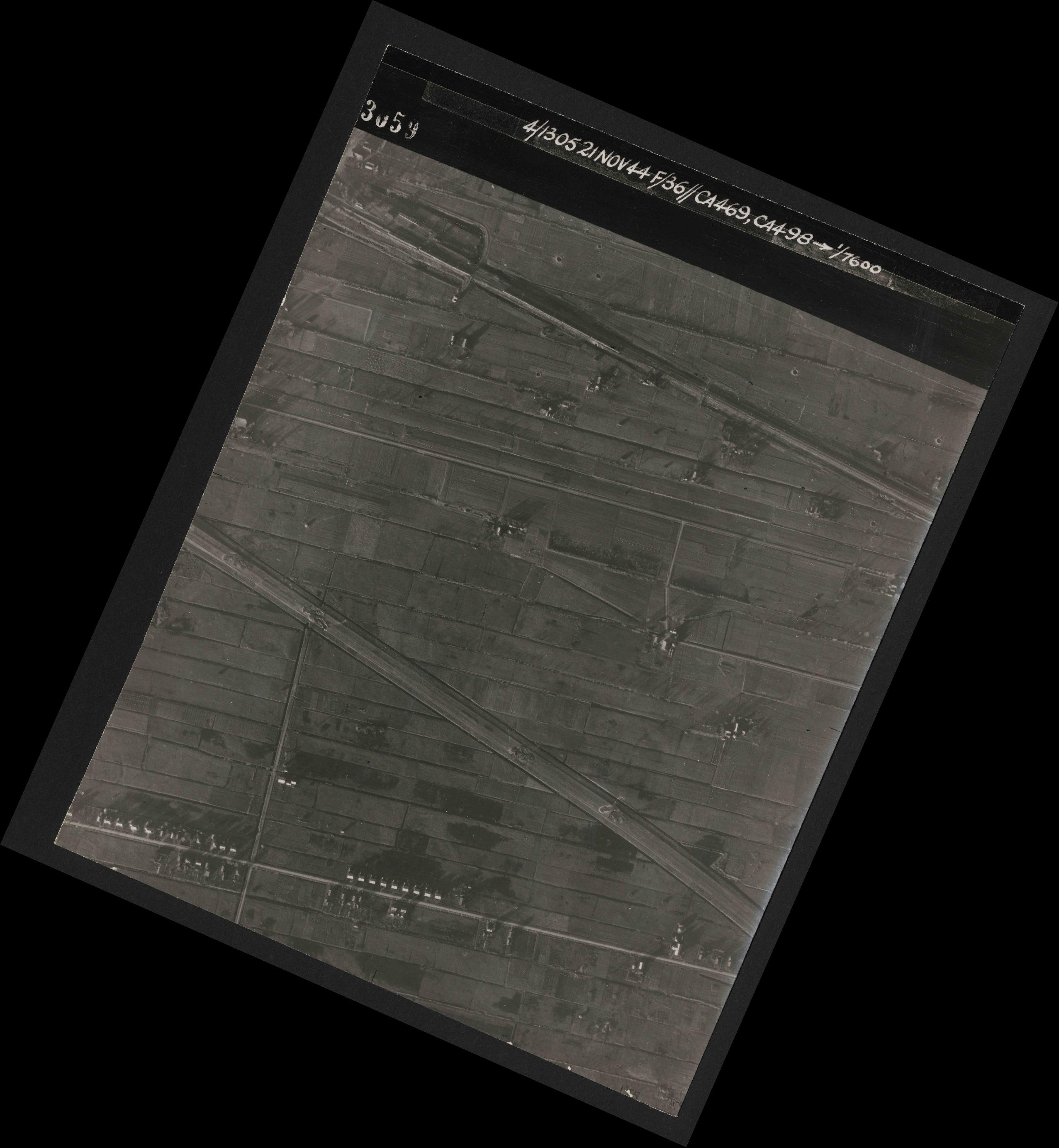 Collection RAF aerial photos 1940-1945 - flight 237, run 15, photo 3059