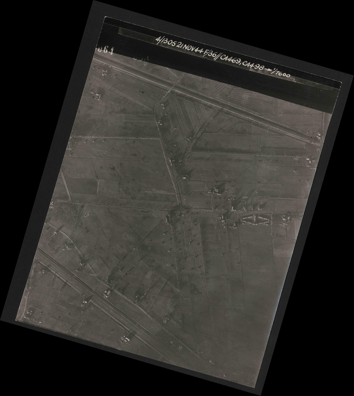 Collection RAF aerial photos 1940-1945 - flight 237, run 15, photo 3064