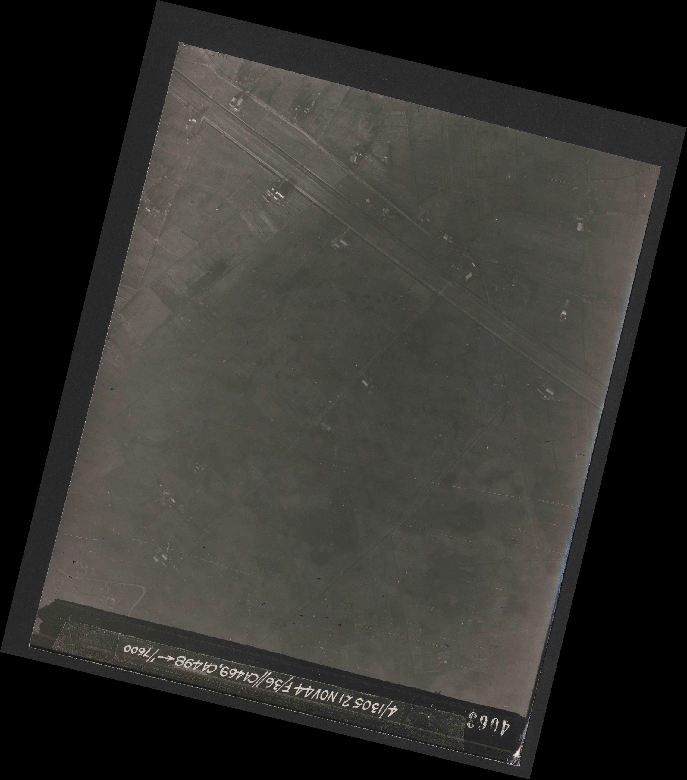 Collection RAF aerial photos 1940-1945 - flight 237, run 16, photo 4063