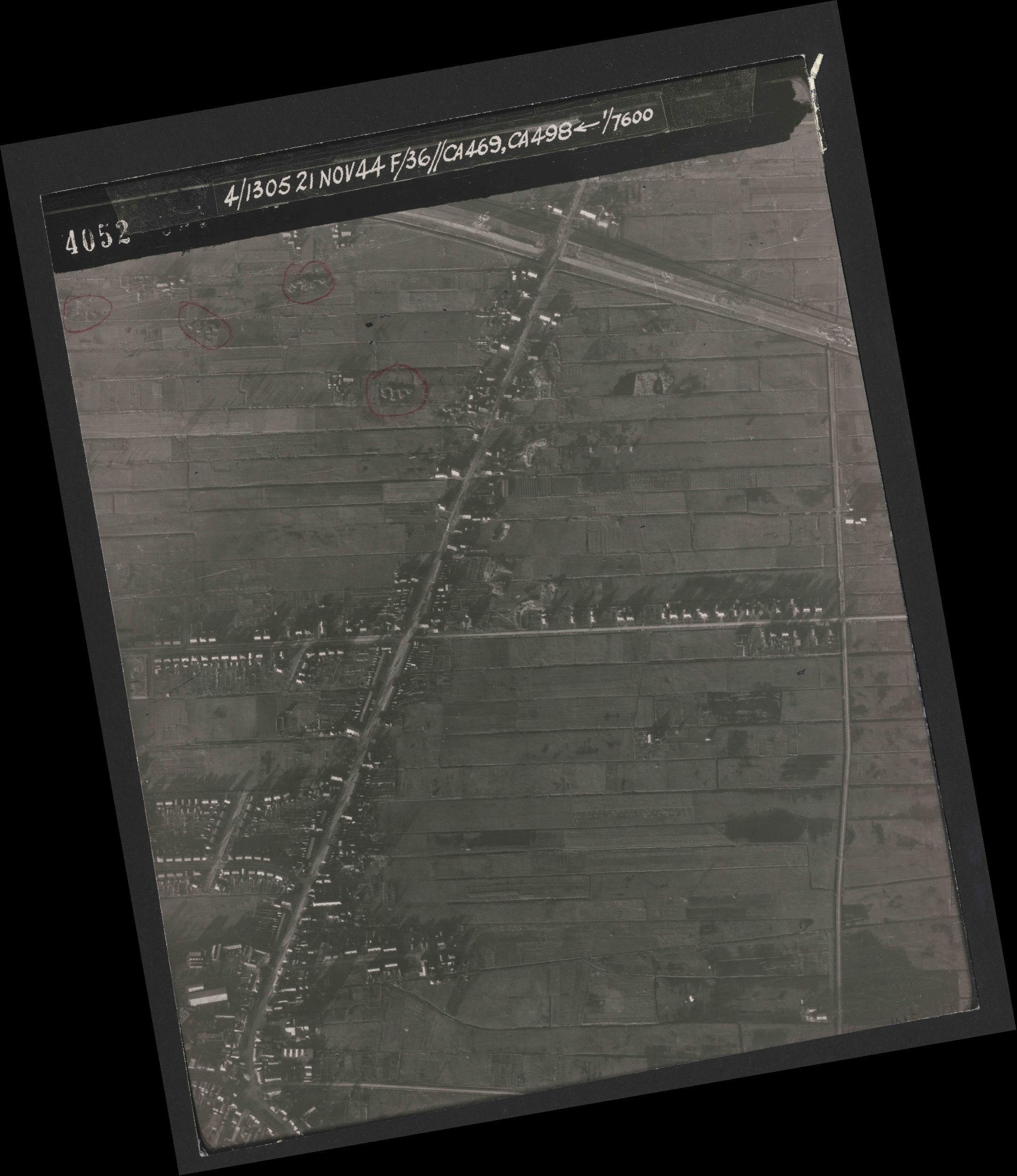 Collection RAF aerial photos 1940-1945 - flight 237, run 17, photo 4052