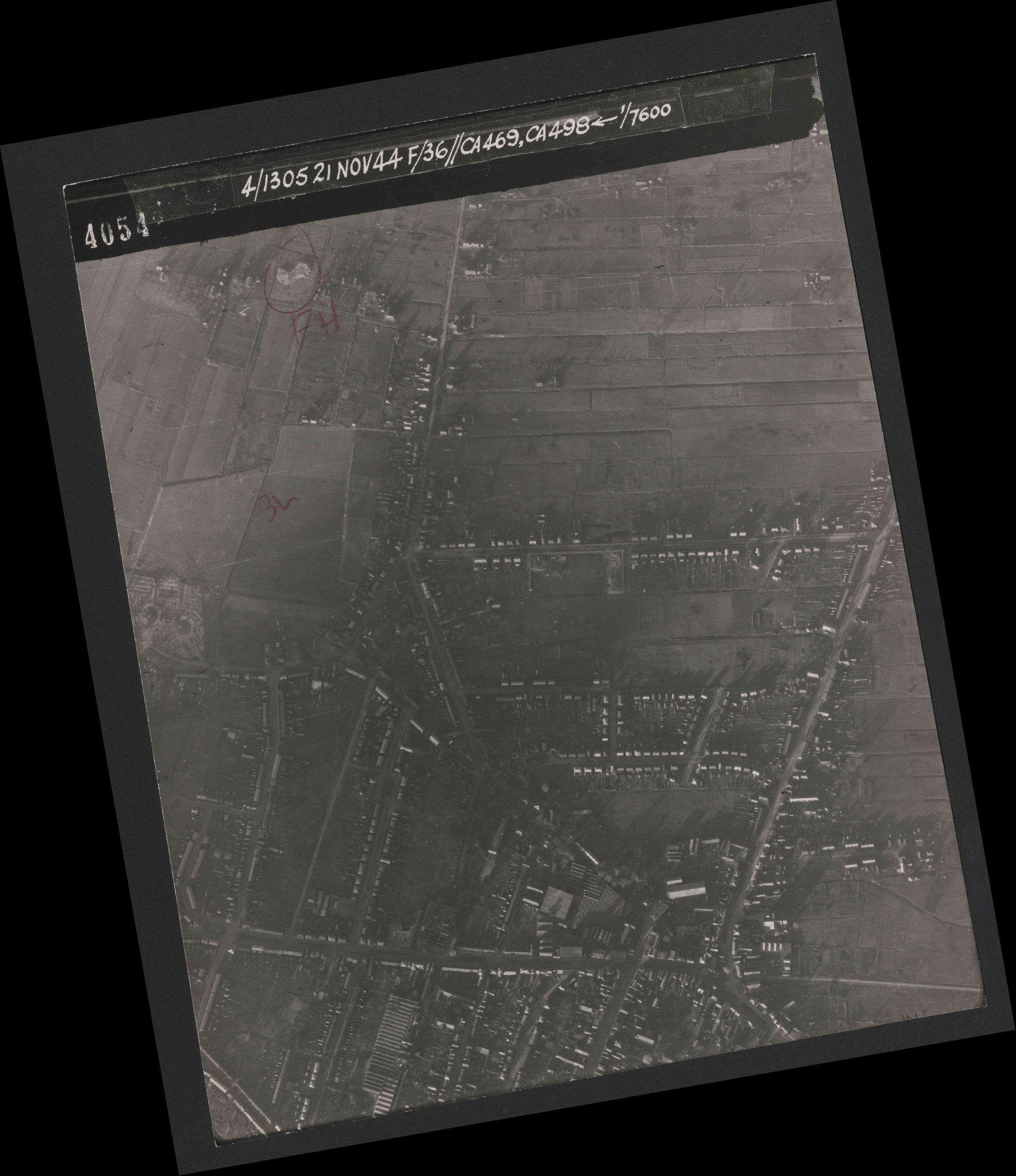 Collection RAF aerial photos 1940-1945 - flight 237, run 17, photo 4054