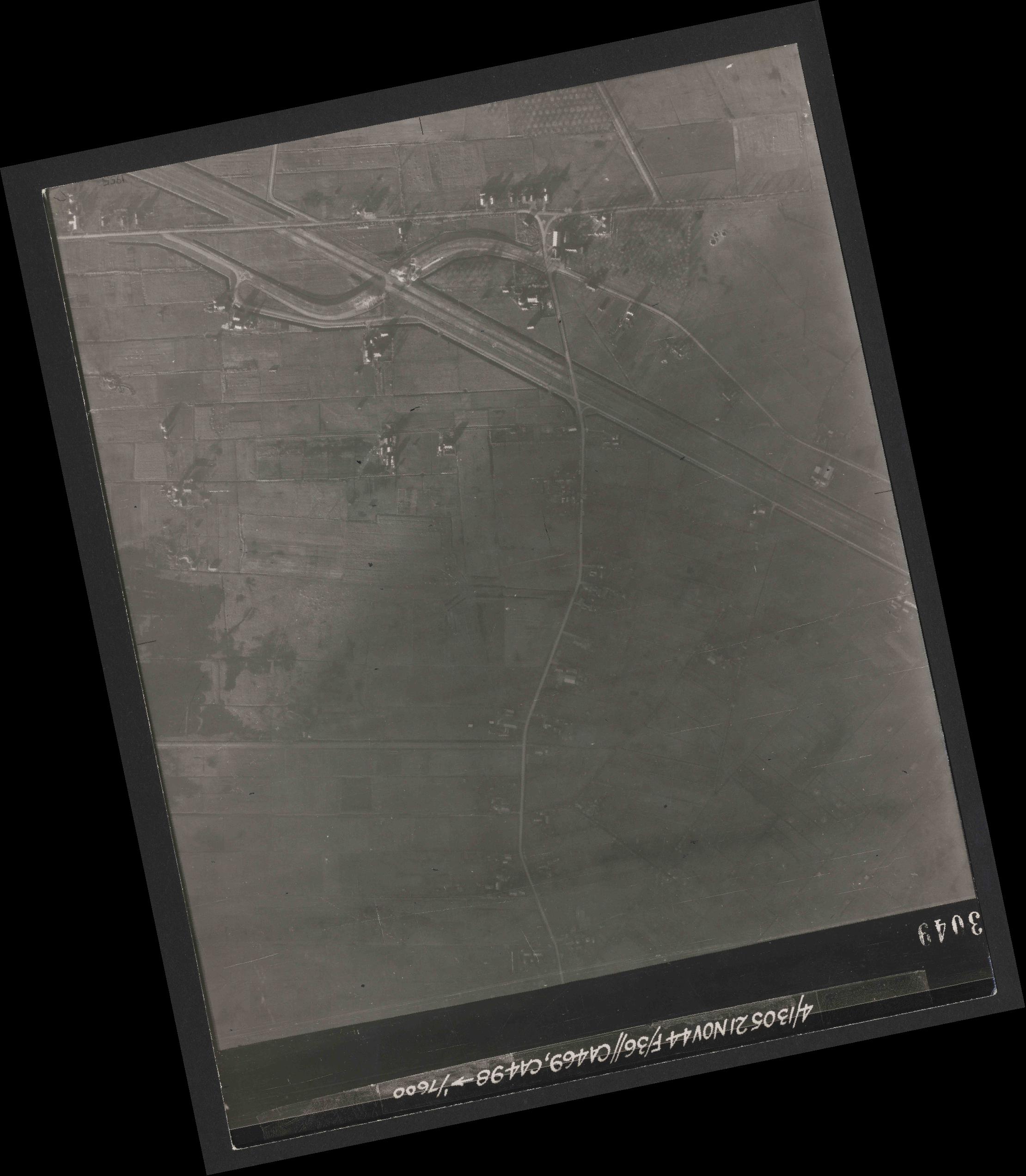 Collection RAF aerial photos 1940-1945 - flight 237, run 18, photo 3049
