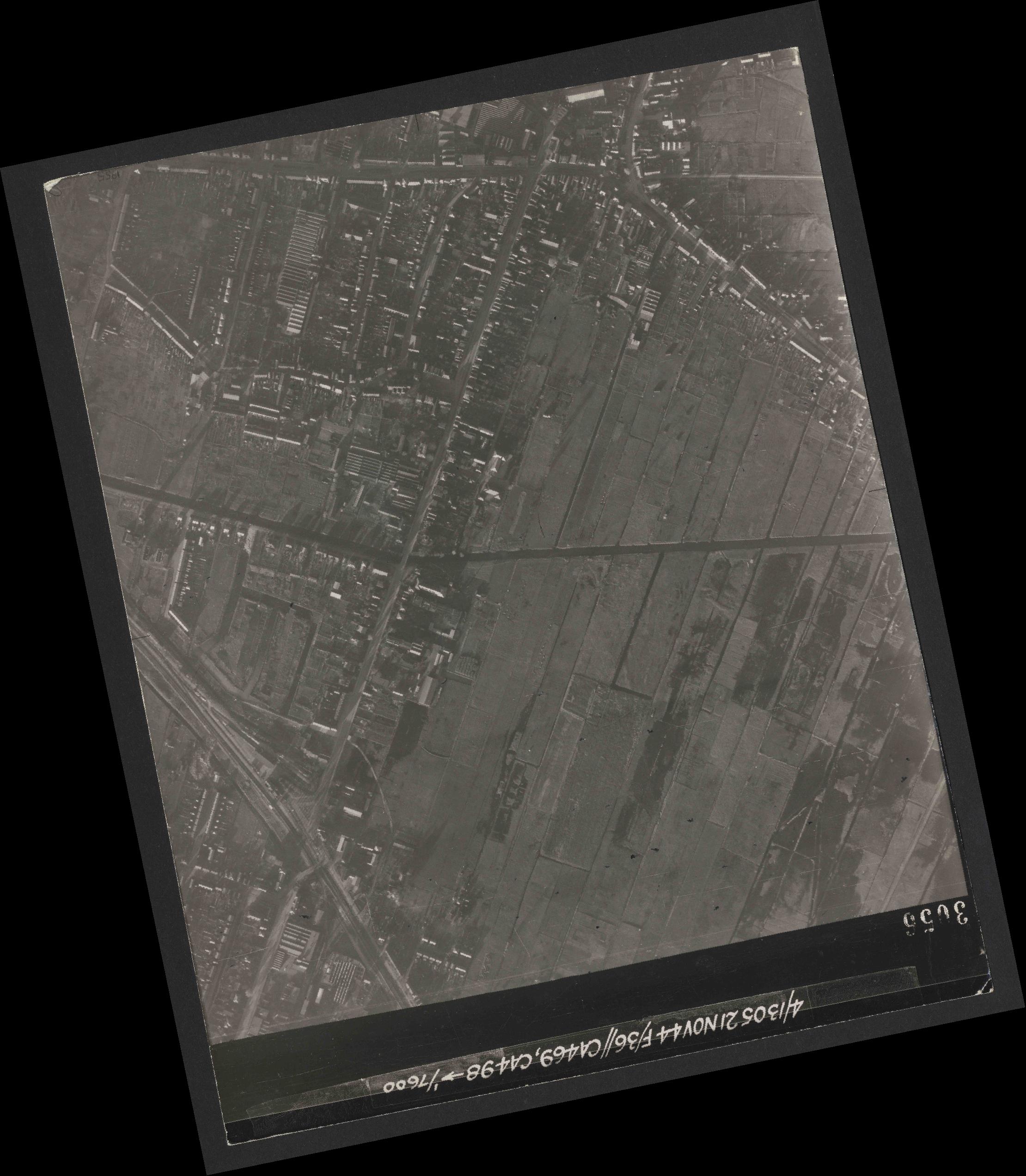 Collection RAF aerial photos 1940-1945 - flight 237, run 18, photo 3056