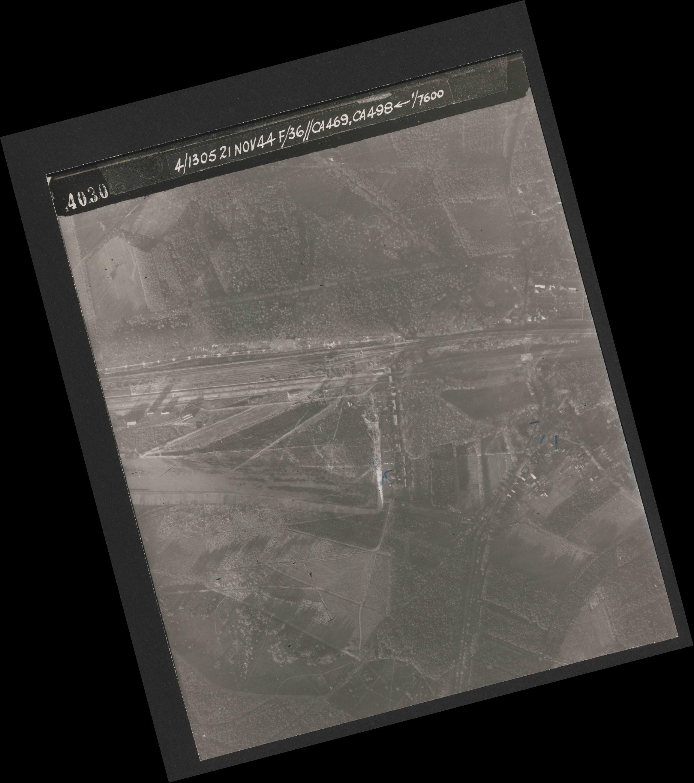Collection RAF aerial photos 1940-1945 - flight 237, run 19, photo 4030