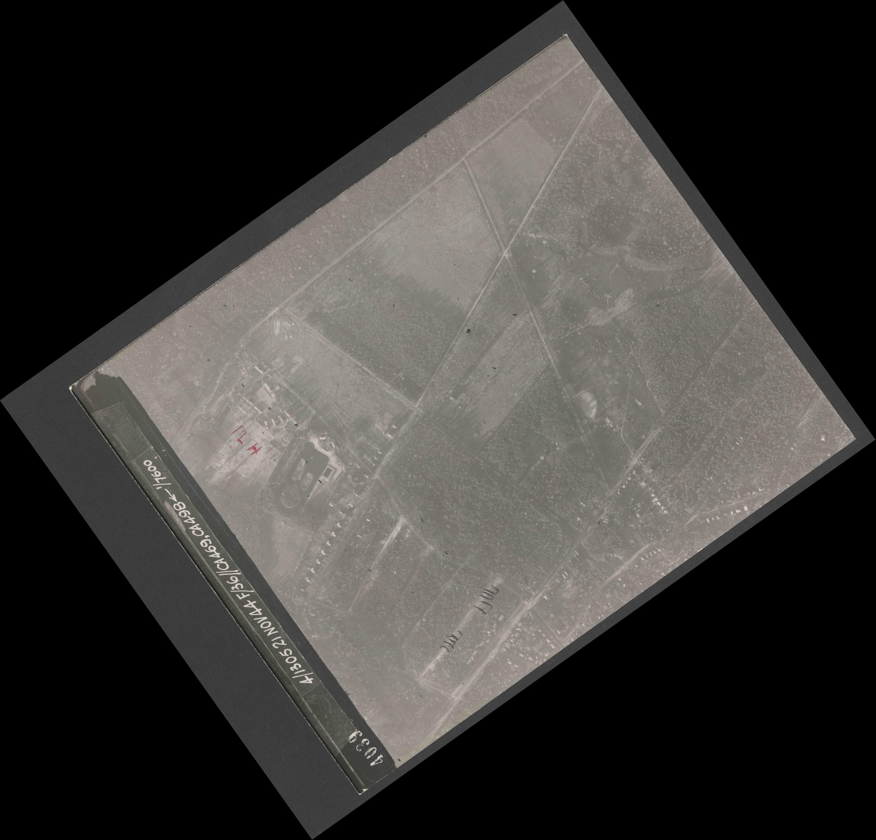 Collection RAF aerial photos 1940-1945 - flight 237, run 22, photo 4039