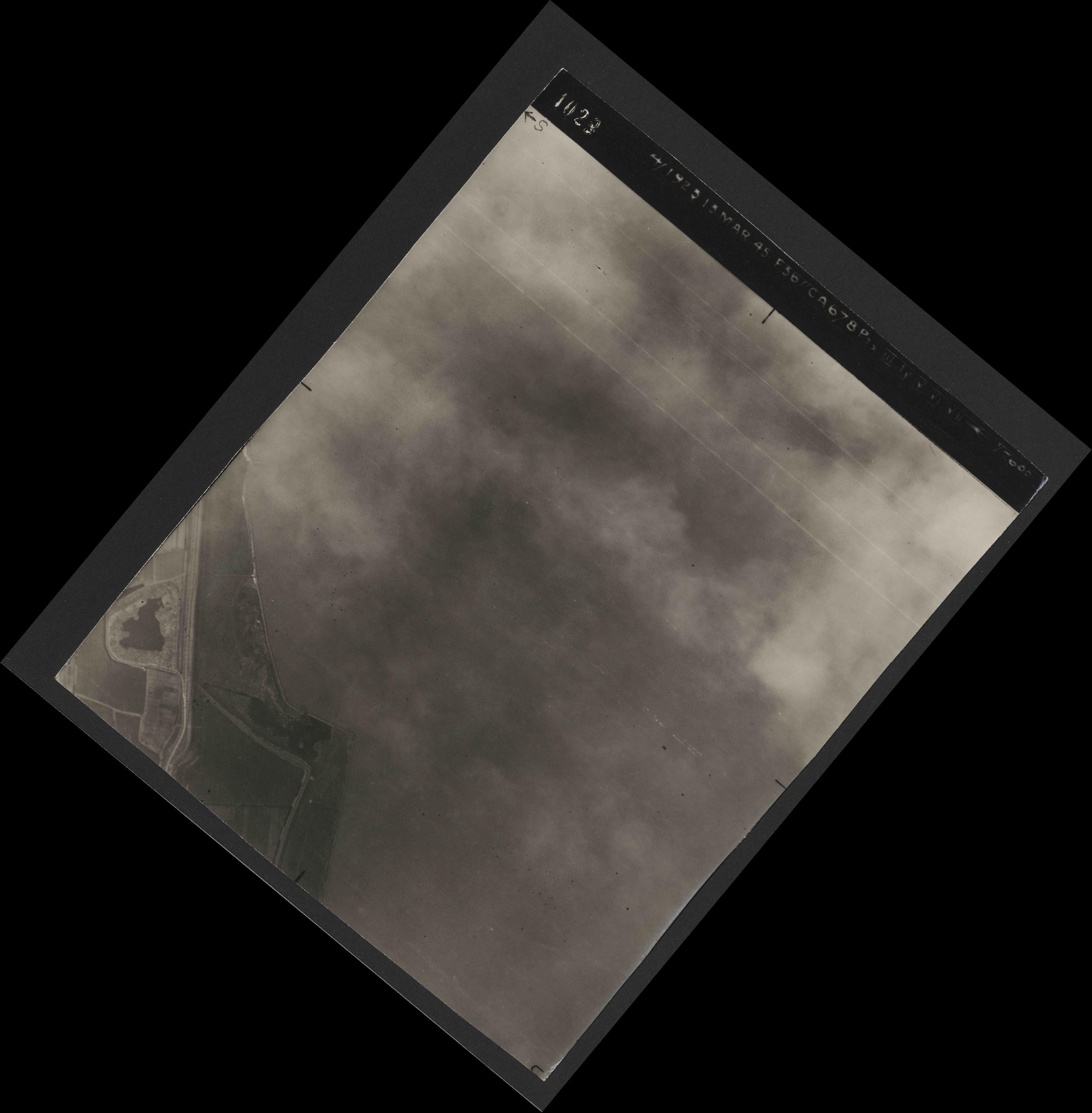 Collection RAF aerial photos 1940-1945 - flight 245, run 01, photo 4029