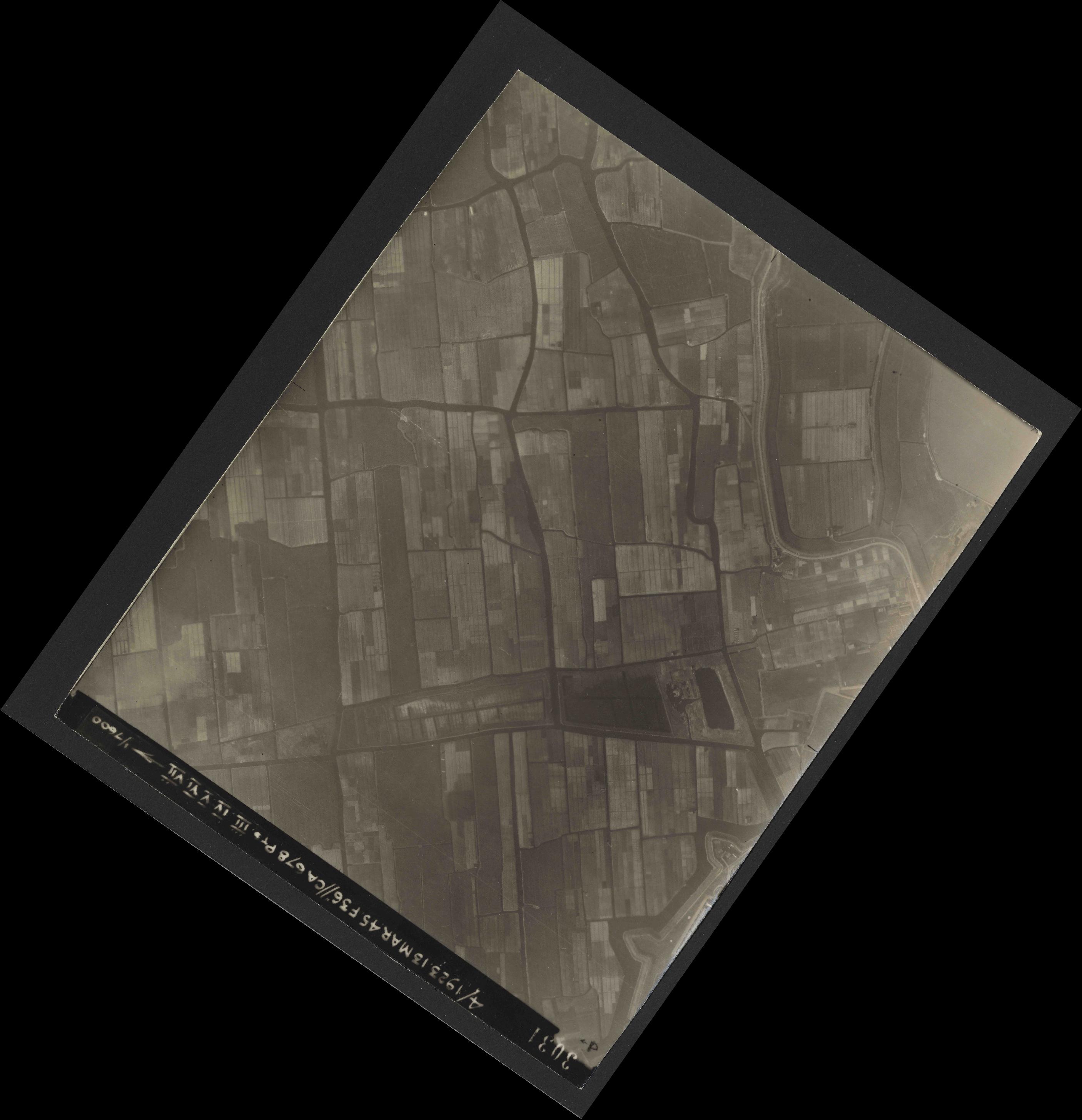 Collection RAF aerial photos 1940-1945 - flight 245, run 02, photo 3031
