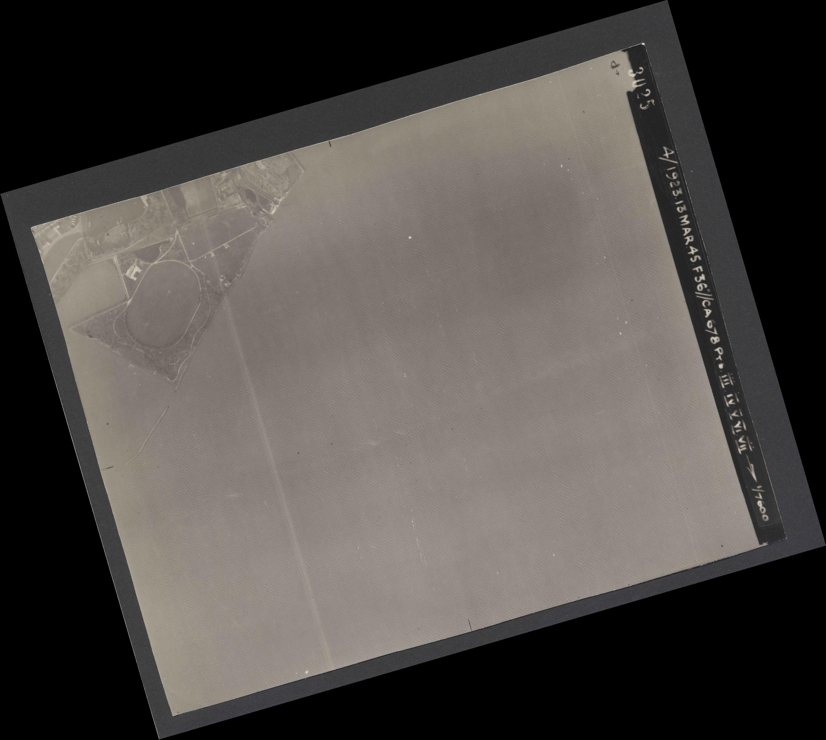 Collection RAF aerial photos 1940-1945 - flight 245, run 04, photo 3025