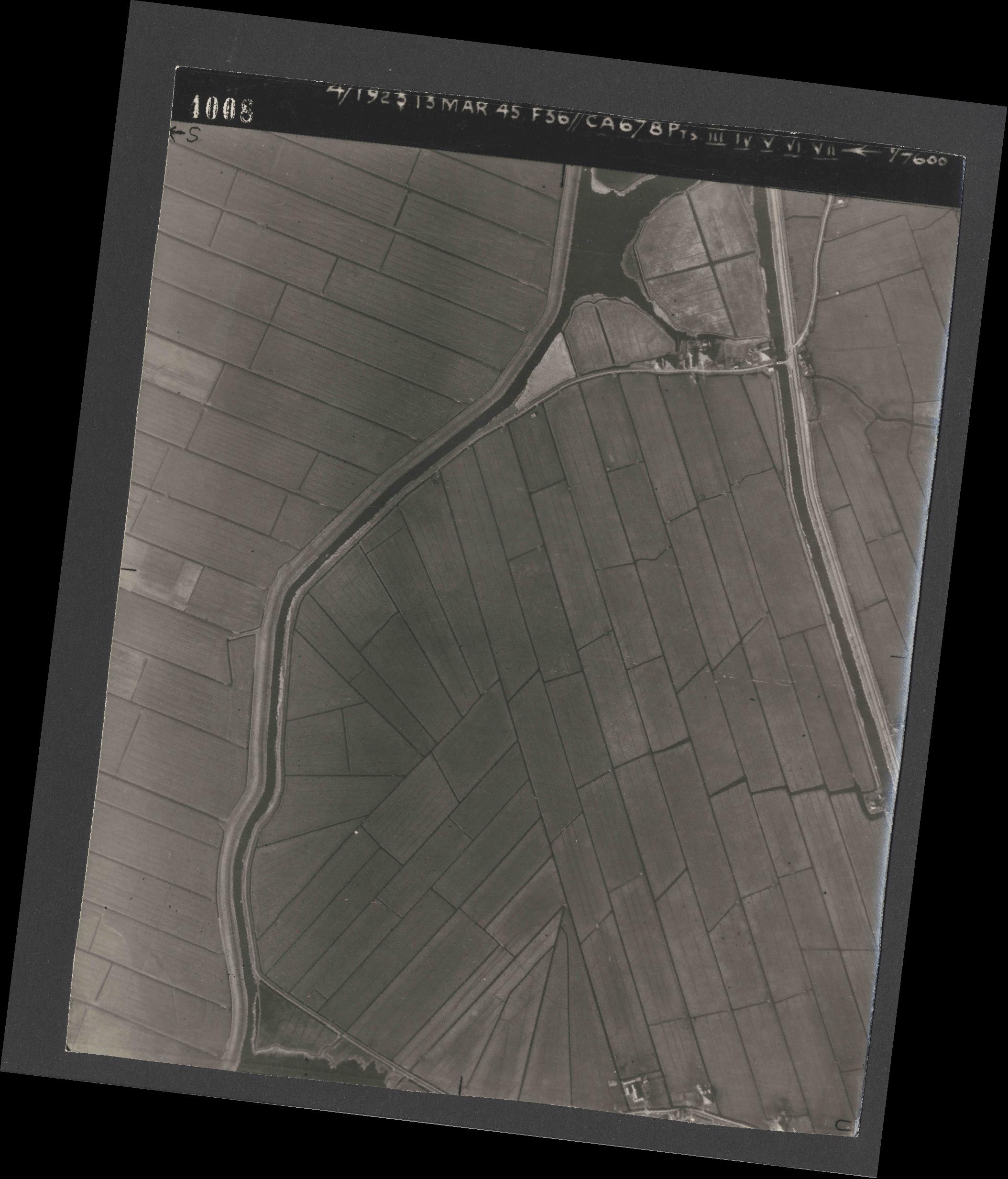 Collection RAF aerial photos 1940-1945 - flight 245, run 07, photo 4008