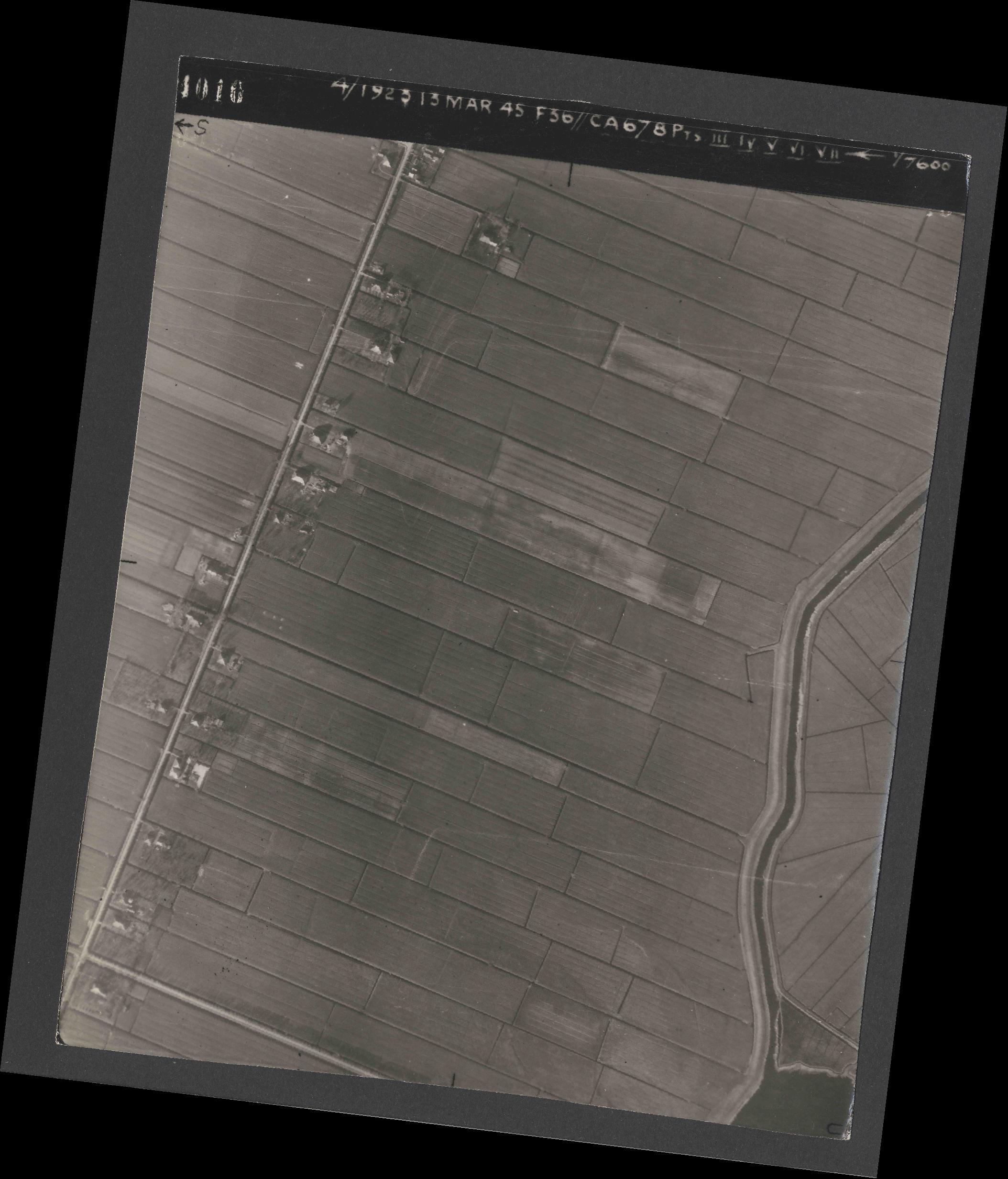 Collection RAF aerial photos 1940-1945 - flight 245, run 07, photo 4010