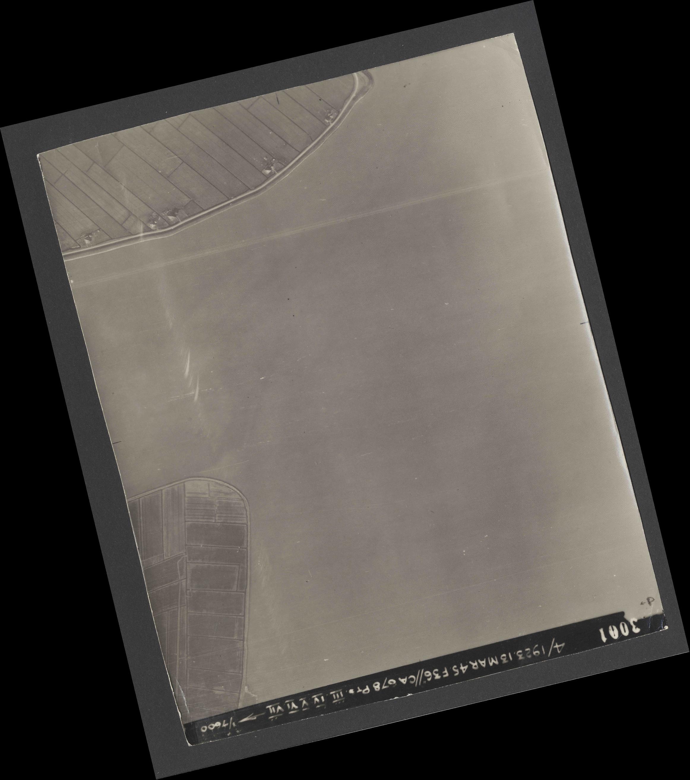 Collection RAF aerial photos 1940-1945 - flight 245, run 08, photo 3001