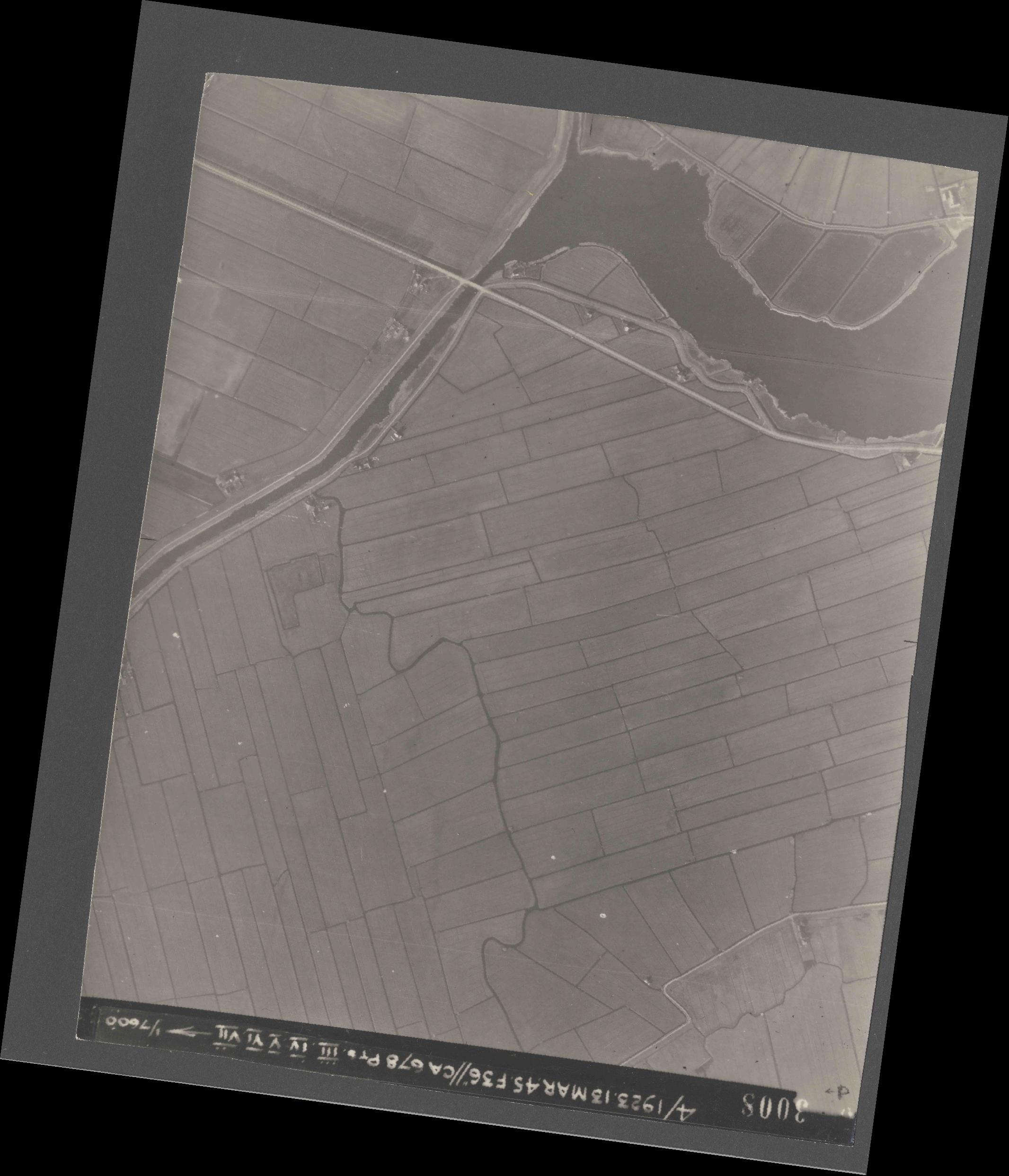 Collection RAF aerial photos 1940-1945 - flight 245, run 08, photo 3008