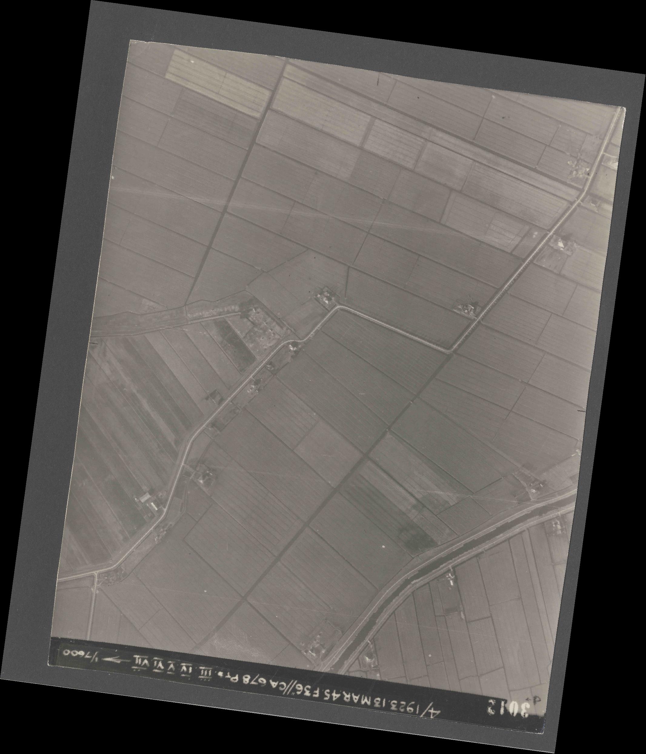 Collection RAF aerial photos 1940-1945 - flight 245, run 08, photo 3012
