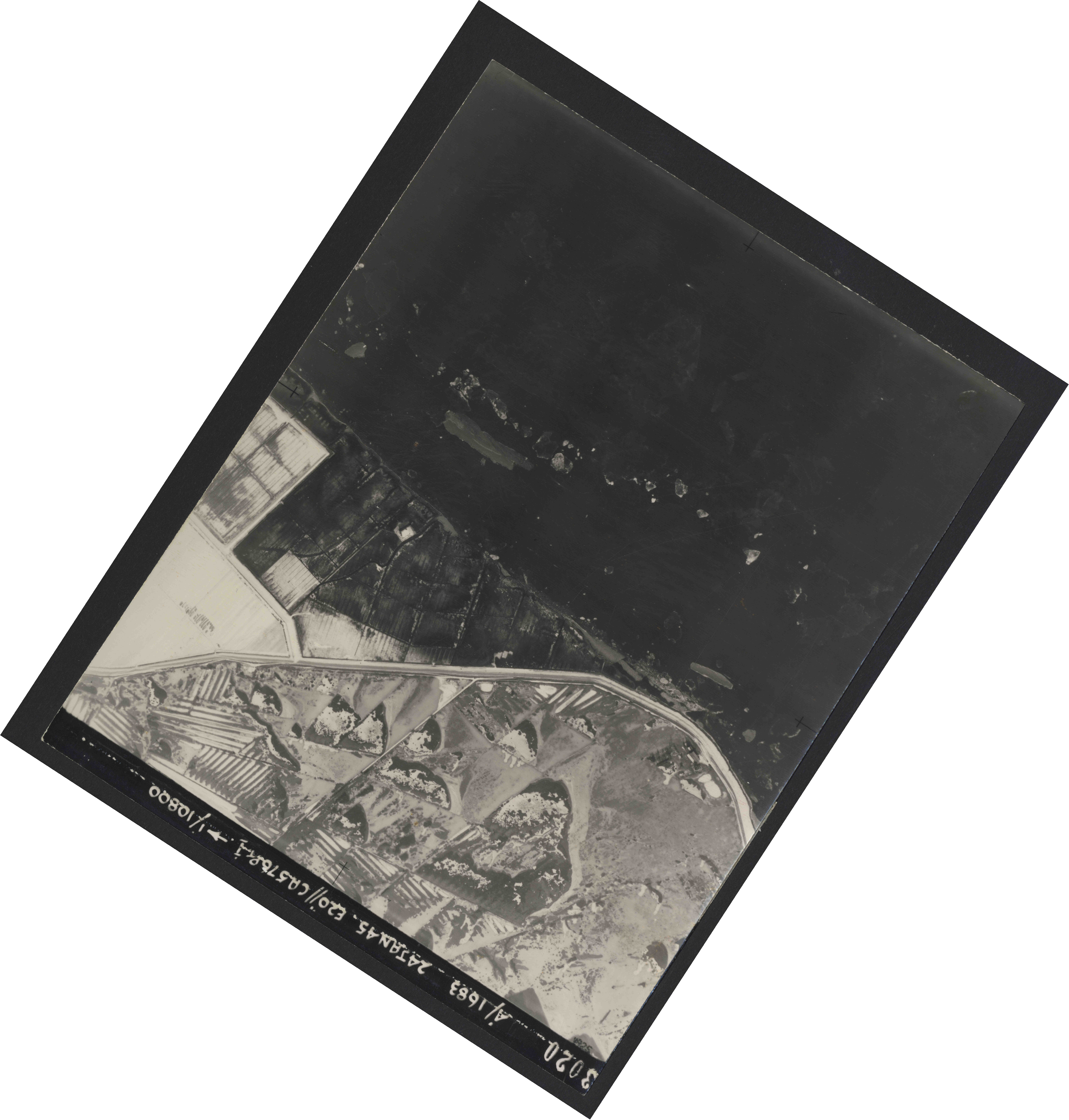 Collection RAF aerial photos 1940-1945 - flight 268, run 01, photo 3020
