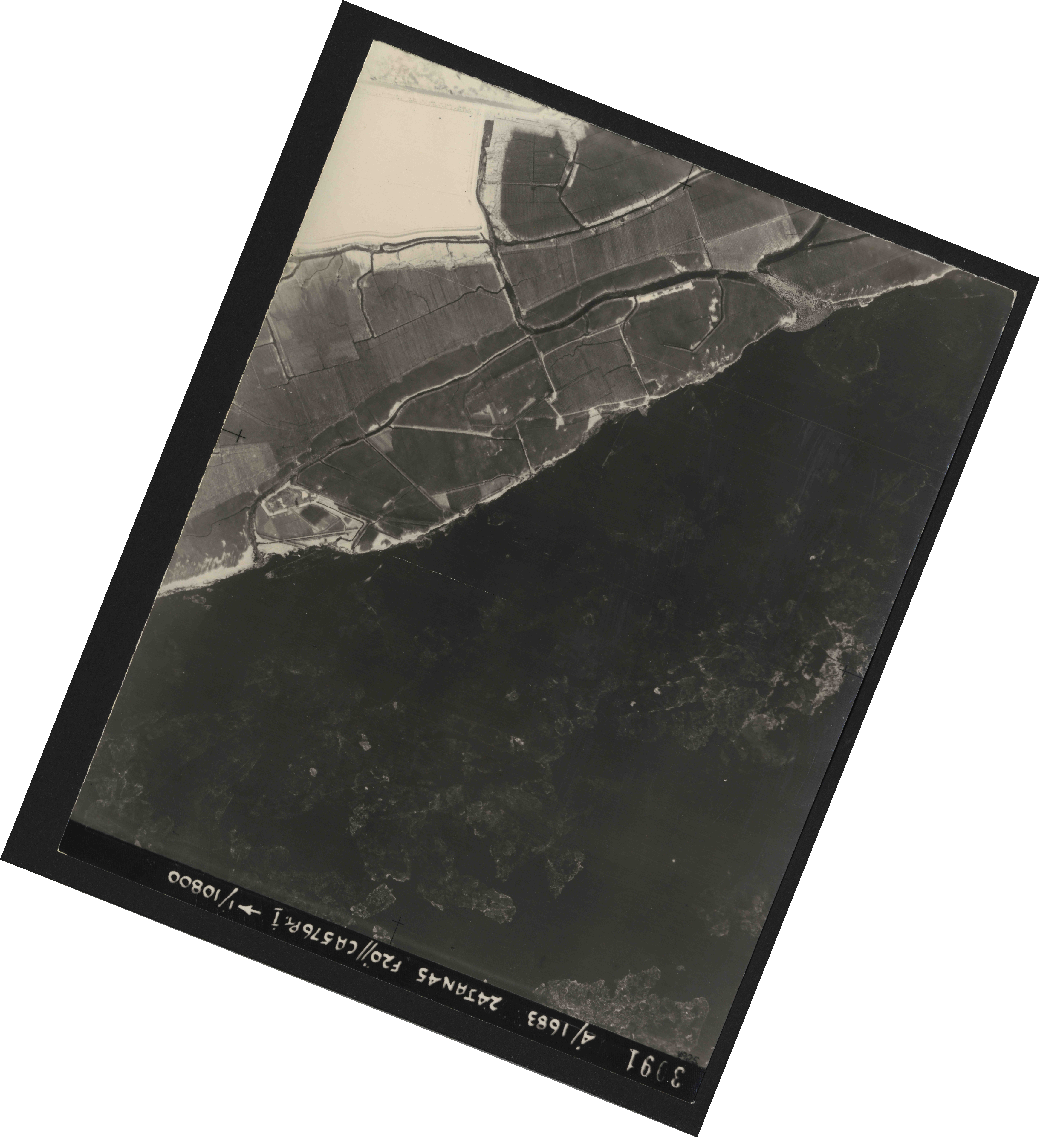 Collection RAF aerial photos 1940-1945 - flight 268, run 07, photo 3091