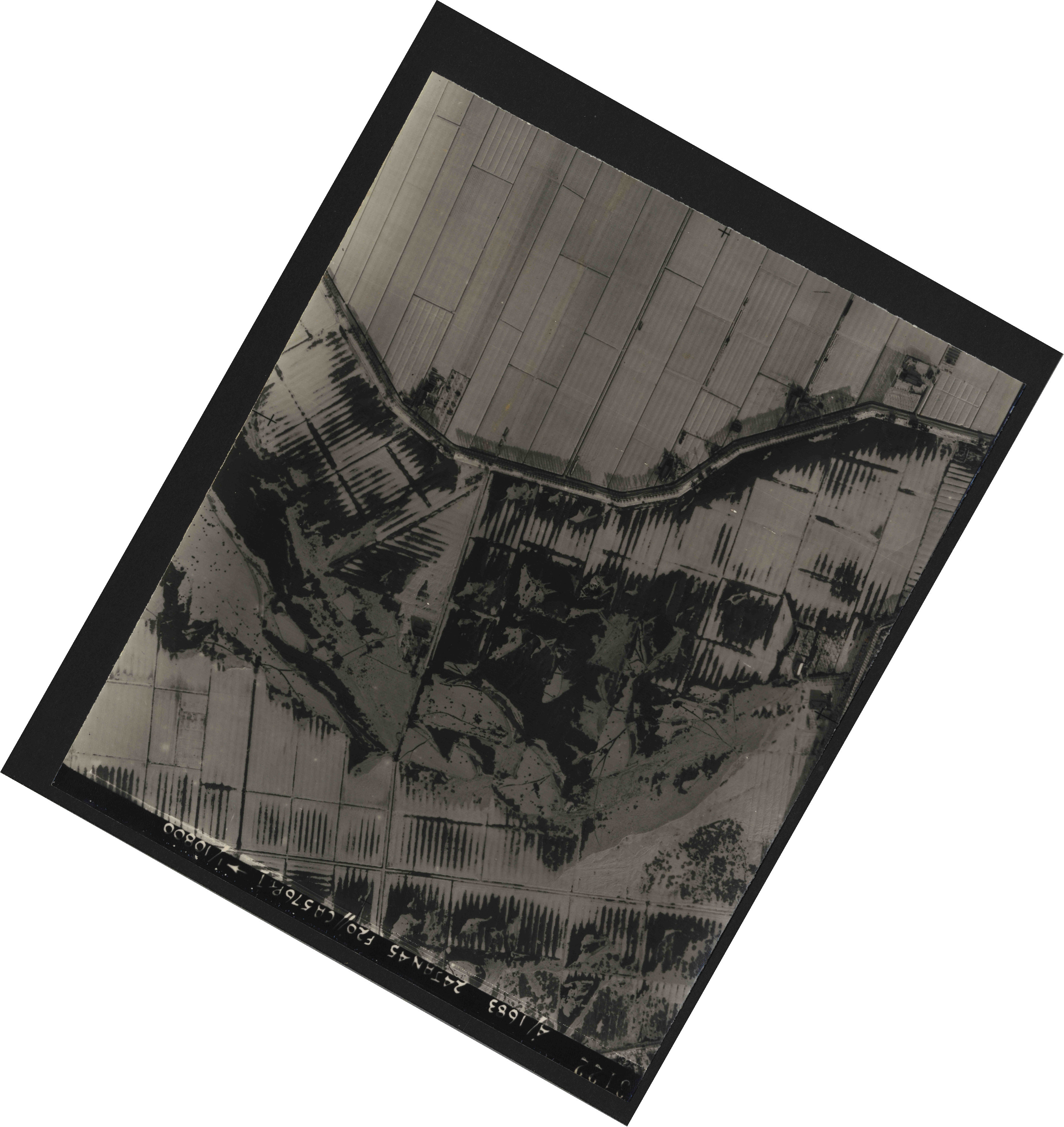 Collection RAF aerial photos 1940-1945 - flight 268, run 07, photo 3122
