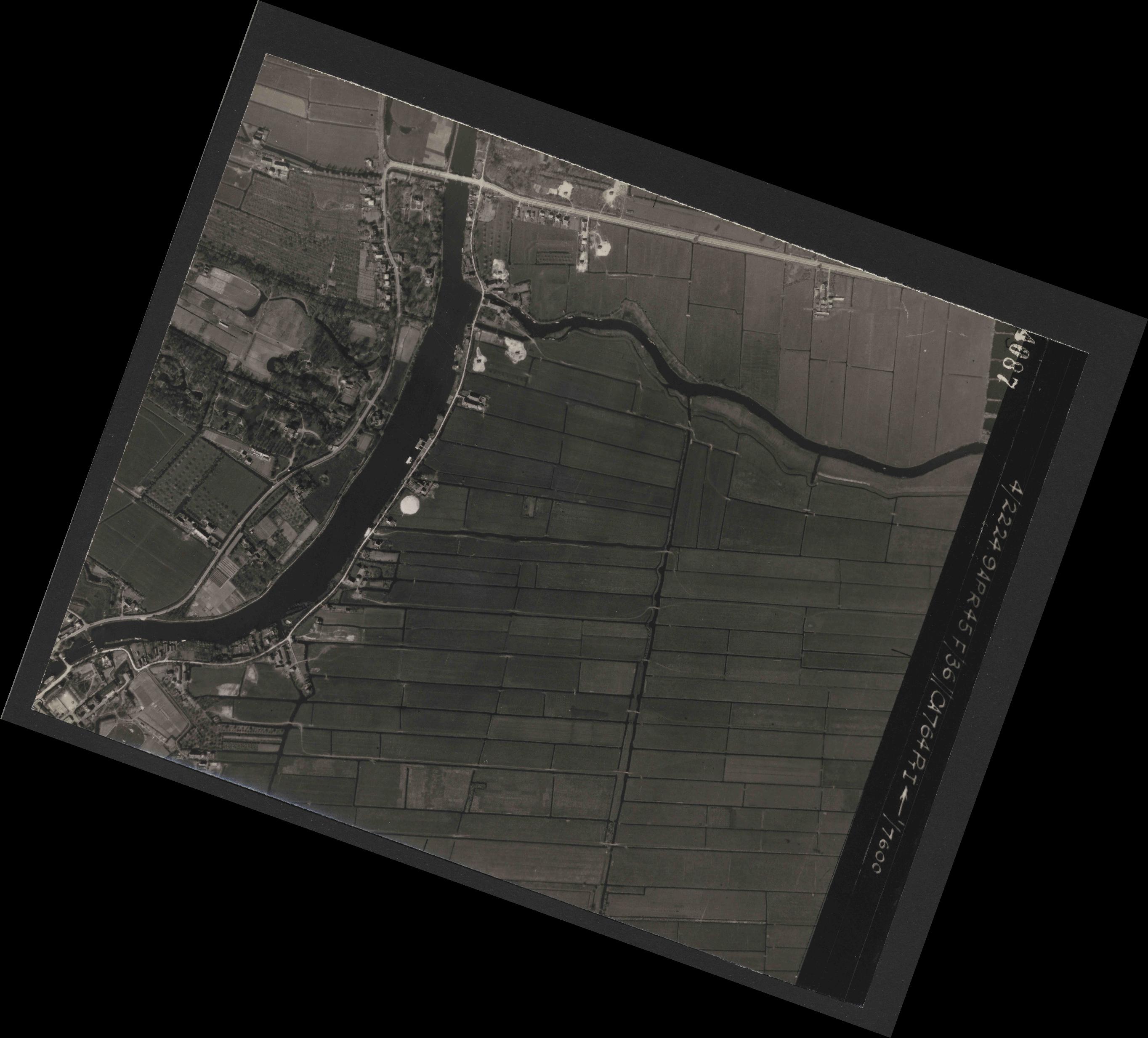 Collection RAF aerial photos 1940-1945 - flight 271, run 10, photo 4087