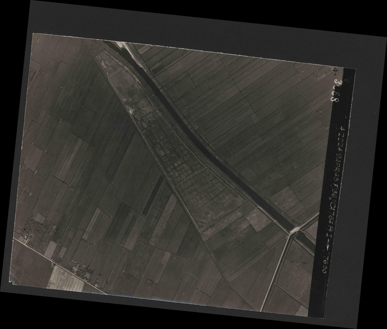 Collection RAF aerial photos 1940-1945 - flight 271, run 20, photo 3068