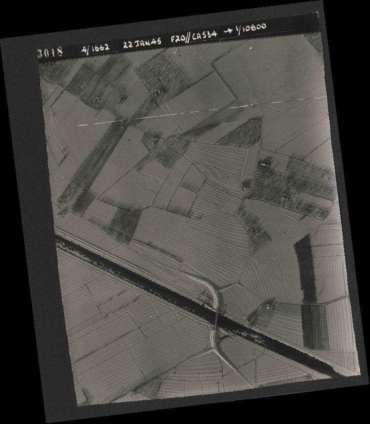 Collection RAF aerial photos 1940-1945 - flight 276, run 06, photo 3018