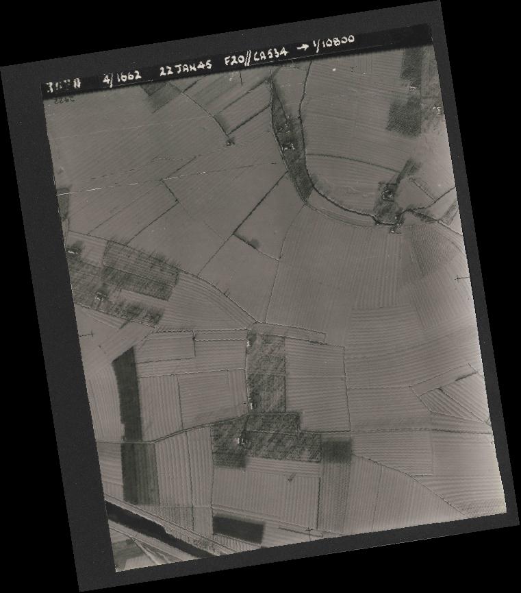 Collection RAF aerial photos 1940-1945 - flight 276, run 06, photo 3020