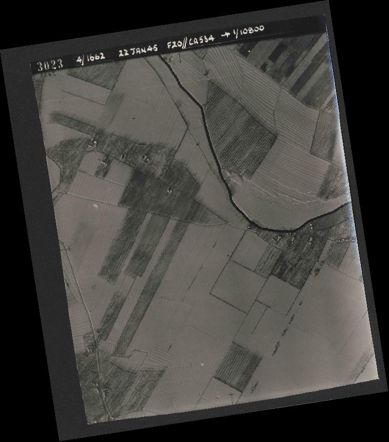 Collection RAF aerial photos 1940-1945 - flight 276, run 06, photo 3023