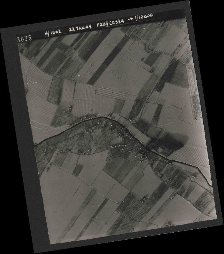 Collection RAF aerial photos 1940-1945 - flight 276, run 06, photo 3025