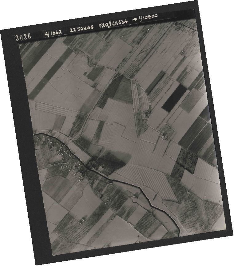 Collection RAF aerial photos 1940-1945 - flight 276, run 06, photo 3026