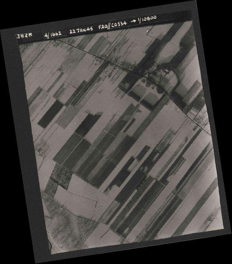 Collection RAF aerial photos 1940-1945 - flight 276, run 06, photo 3028
